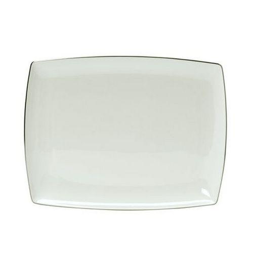 Блюдо прямоугольноеДекоративные блюда<br>MIKASA по праву считается одним из мировых лидеров по производству столовой посуды из фарфора и керамики. На протяжении более полувека категории качества и дизайна являются неотъемлемой частью бренда MIKASA. Сегодня MIKASA сотрудничает со многими известными дизайнерами, работающими для лучших фабрик мира, и использует самые передовые технологии в производстве посуды. Все продукты бренда MIKASA безупречны с точки зрения дизайна и исполнения.<br><br>Material: Фарфор<br>Length см: 33<br>Width см: None<br>Depth см: None<br>Height см: None<br>Diameter см: None