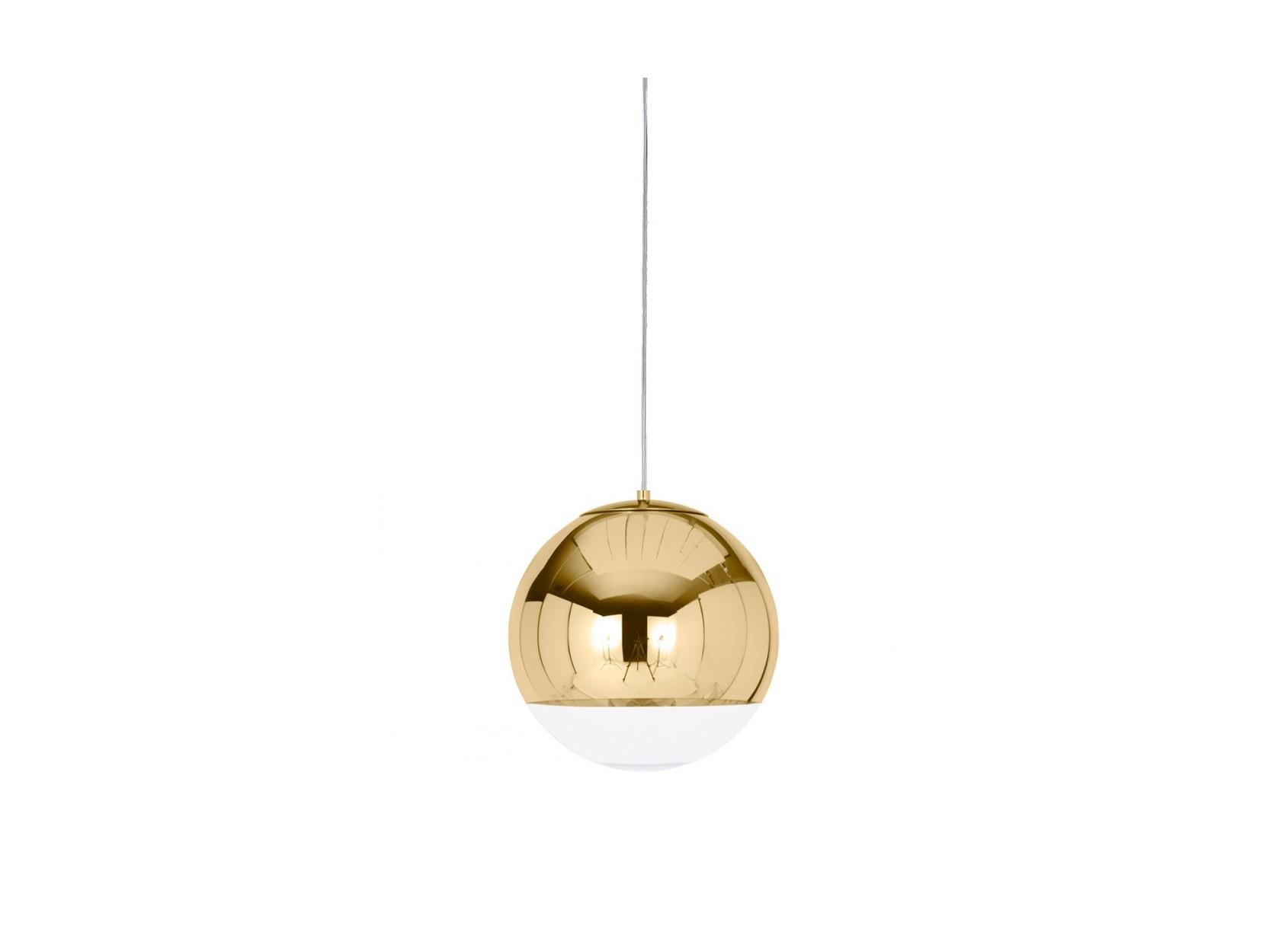 Дизайнерский подвесной светильник Mirror BallПодвесные светильники<br>Металлическое основание, один стеклянный плафон с зеркальным покрытием. Цвет металла - золото, цвет плафона золото + прозрачный. Реплика люстры Mirror Ball, дизайнер Tom Dixon.&amp;amp;nbsp;&amp;lt;div&amp;gt;&amp;lt;br&amp;gt;&amp;lt;/div&amp;gt;&amp;lt;div&amp;gt;Диаметр шара 35 см. Высота подвеса 130 см Основание: диаметр внешний 12 см, монтажный 10 см. Высота 4 см. Патрон E27, мощность max 1 х 60W. Лампа в комплект не входит. Возможно использование светодиодной лампы. Вес 3.26 кг&amp;lt;/div&amp;gt;<br><br>Material: Стекло<br>Height см: 130<br>Diameter см: 35