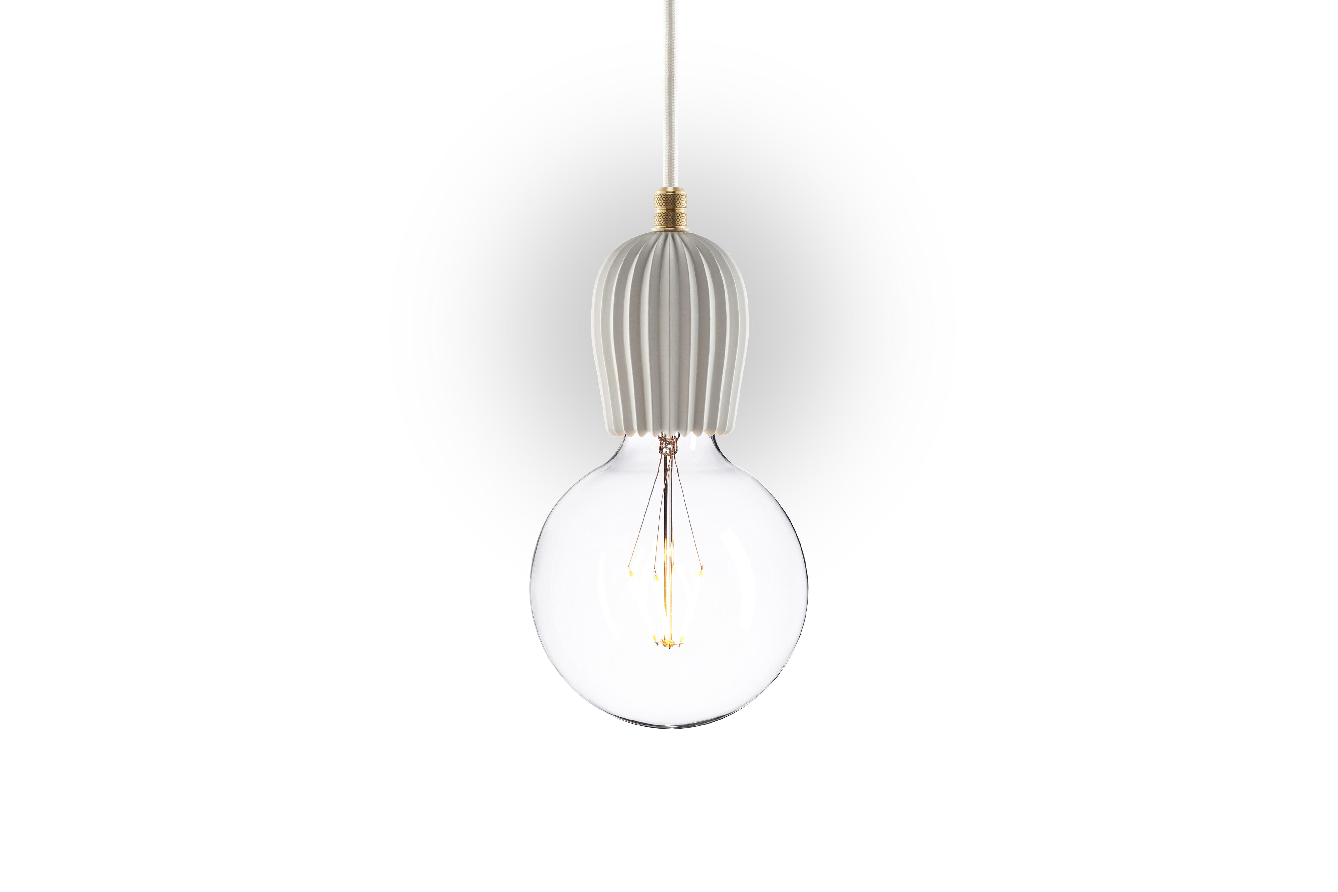 Подвесной светильник Beton RibПодвесные светильники<br>Подвесной светильник из белого цемента? В интерьере лофт возможно все! Благодаря основанию округлой формы &amp;quot;Beton Rib&amp;quot; не выглядит изысканно и утонченно.&amp;lt;div&amp;gt;&amp;lt;br&amp;gt;&amp;lt;/div&amp;gt;&amp;lt;div&amp;gt;Материал: корпус - белый цемент, покраска, фурнитура - латунь, сталь.&amp;lt;br&amp;gt;&amp;lt;/div&amp;gt;&amp;lt;div&amp;gt;Размер: потолочная чаша - D70 мм, h63 мм.&amp;lt;/div&amp;gt;&amp;lt;div&amp;gt;Цоколь: E27, максимальная мощность лампочки - 60 W, длина шнура - 3 м. &amp;amp;nbsp;&amp;amp;nbsp;&amp;lt;/div&amp;gt;&amp;lt;div&amp;gt;Под заказ. Срок изготовления 3 недели.&amp;amp;nbsp;&amp;lt;/div&amp;gt;<br><br>Material: Мрамор<br>Height см: 10,5<br>Diameter см: 7