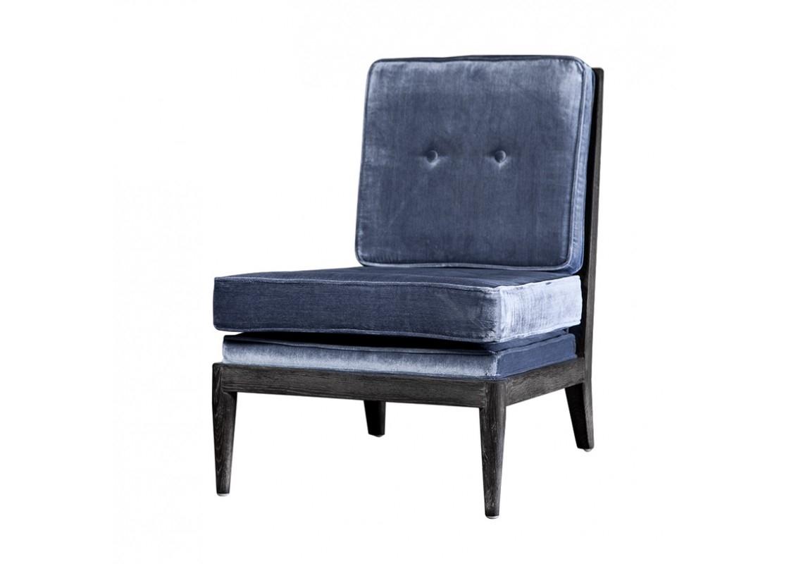 Кресло ЛоранИнтерьерные кресла<br>Кресло &amp;quot;Лоран&amp;quot; очень мягкое, а его обивка приятна на ощупь. Дело в том, что сидение и спинка модели сделаны из велюра. Ножки же дизайнеры спроектировали деревянные, прочные и немного грубоватые. Такая некая напыщенность модели, ее строгость отлично подчеркнет положение хозяина, особенно если расположить кресло Лоран&amp;amp;nbsp;в кабинете.&amp;amp;nbsp;<br><br>Material: Текстиль<br>Width см: 60<br>Depth см: 77<br>Height см: 80
