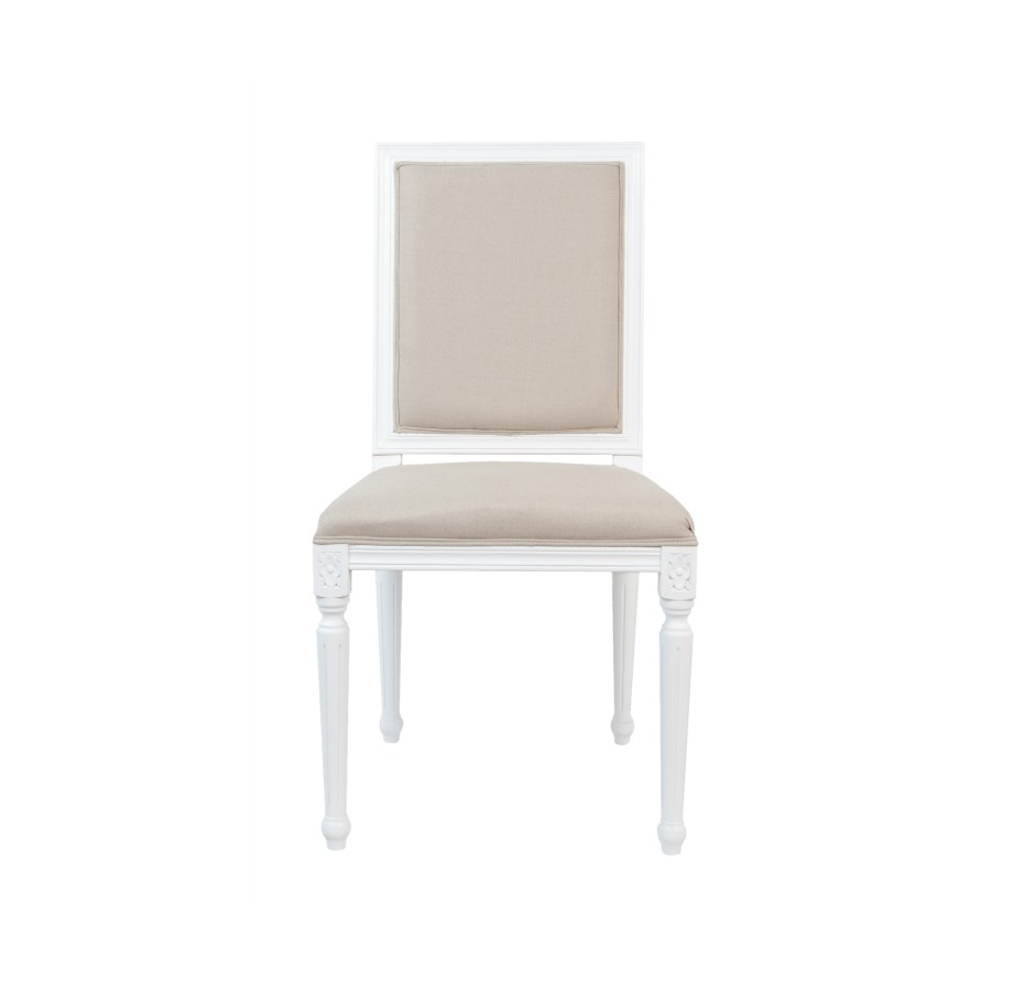 Стул LotosОбеденные стулья<br>Стул Lotos выполнен из ценной древесной породы — массива дуба. Классический дизайн стула подчеркивается эффектом состаренного дерева, точеными ножками сложной формы.<br><br>Material: Дуб<br>Ширина см: 49<br>Высота см: 97<br>Глубина см: 54
