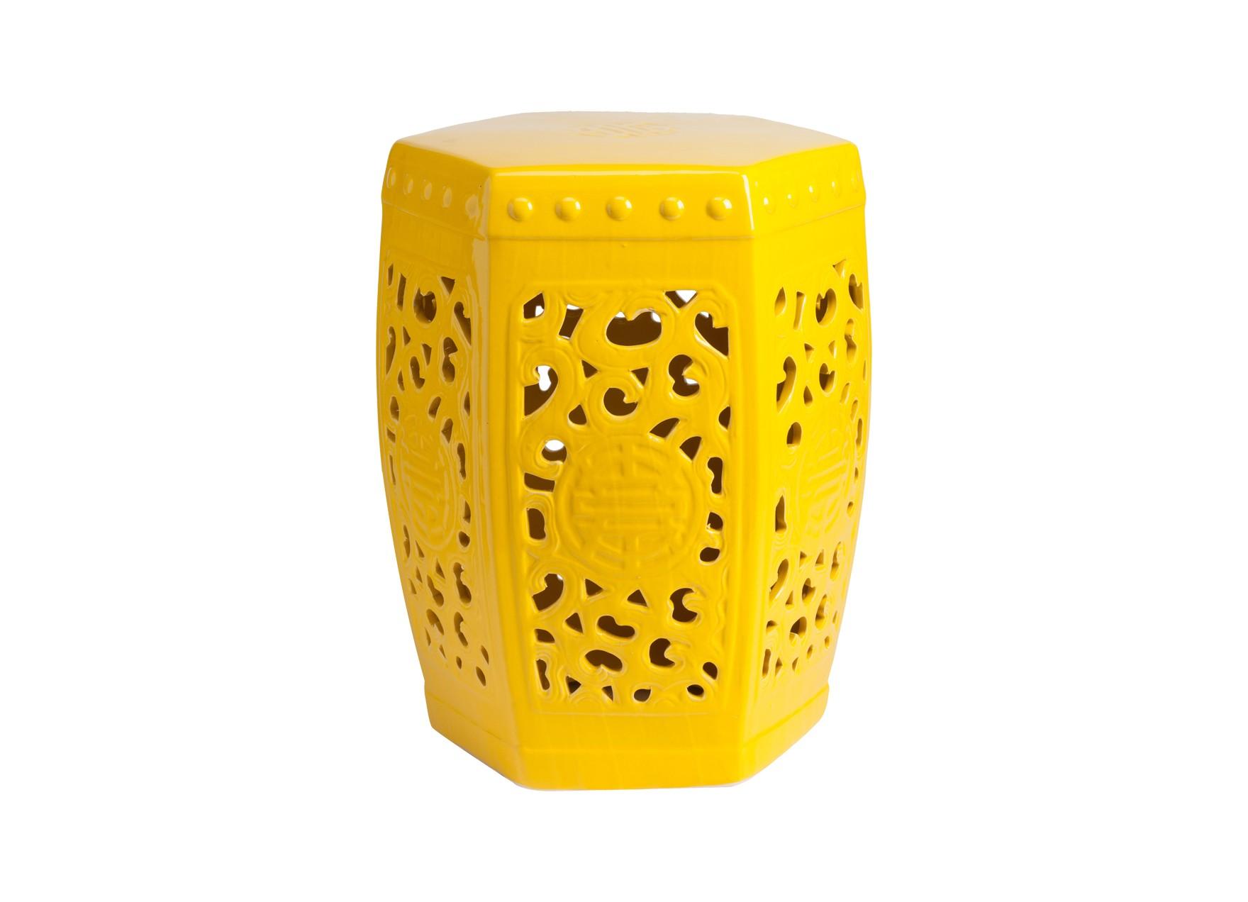 Керамический столик-табурет Design StoolТабуреты<br>Это предмет мебели, который удачно сочетает в себе сразу две функции — его можно использовать и как стол, и как табурет, в зависимости от вашего желания. Примечательно, что эта модель выполнена не из дерева, как следовало бы ожидать, а из грубой керамики. Столешница, она же сидение, выполнена в форме шестиугольника, боковые грани украшены оригинальным ажурным узором, а в общем напоминает бочонок. Столик-табурет выполнен в жёлтом цвете, &amp;amp;nbsp;он станет полезным приобретением в первую очередь для маленьких помещений, в которых остро стоит вопрос экономии полезного пространства.<br><br>Material: Керамика<br>Width см: 28<br>Depth см: 28<br>Height см: 40
