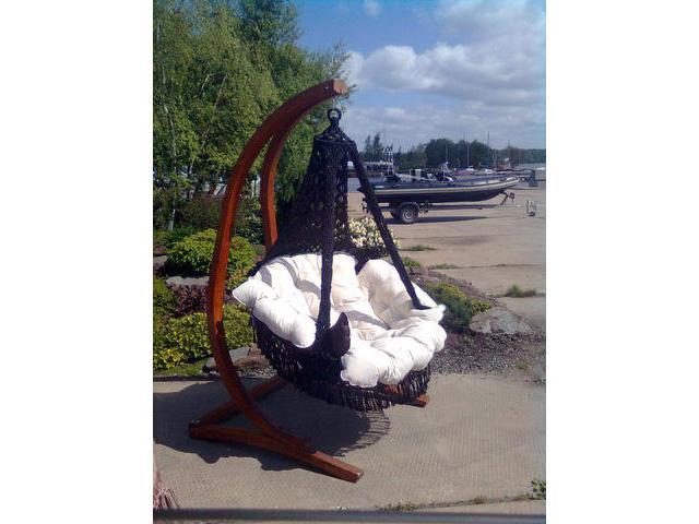 Подвесное кресло качели CARTAGENAКачели<br>&amp;lt;div&amp;gt;Подвесное кресло CARTAGENA с невероятно мягкими и комфортными подушками сплетено вручную из полиамидной нити. Кресло украшено эффектной бахромой и станет стильным акцентом в любом помещение и ландшафте. Чехлы у подушек сделаны из хлопко-полиэфирной ткани, она не теряет формы, износостойка, не мнется, держит цвет, хорошо «дышит». Наполнитель подушек – «холлофайбер» - материал не отсыревает, легко стирается. Для удобства в гамаке-кресле CARTAGENA предусмотрена регулировка по высоте передней части кресла, таким образом, что с помощью фиксаторов, находящихся внутри декоративной оплетки, можно настроить наиболее комфортное положение кресла.&amp;lt;/div&amp;gt;&amp;lt;div&amp;gt;Характеристики&amp;lt;/div&amp;gt;&amp;lt;div&amp;gt;Размеры кресла: ?120?180(H) см&amp;lt;/div&amp;gt;&amp;lt;div&amp;gt;Вес кресла с подушками: 16 кг&amp;lt;/div&amp;gt;&amp;lt;div&amp;gt;Выдерживаемый вес: 200 кг&amp;lt;/div&amp;gt;&amp;lt;div&amp;gt;Цвет: чёрный&amp;lt;/div&amp;gt;&amp;lt;div&amp;gt;Размеры упаковки: 120х30х135 см&amp;lt;/div&amp;gt;&amp;lt;div&amp;gt;Продается без каркаса&amp;lt;/div&amp;gt;<br><br>Material: Хлопок<br>Height см: 180<br>Diameter см: 120