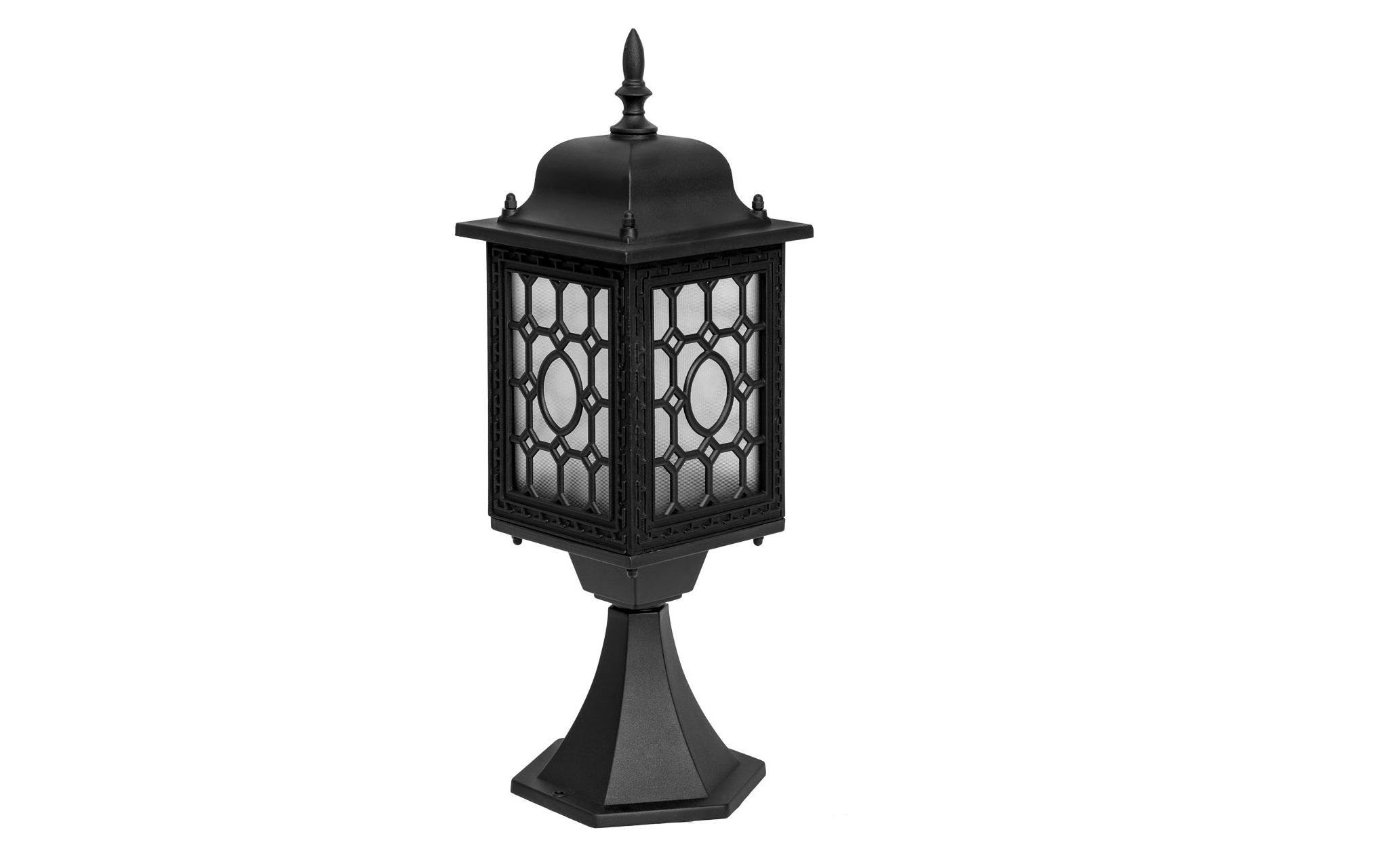 Уличный светильник ГлазгоУличные наземные светильники<br>&amp;lt;div&amp;gt;Строгость лондонского стиля прослеживается в очертаниях светильника из коллекции Глазго. Оригинальное оформление металлического каркаса, окрашенного в чёрный цвет, позволяет лучам света струиться через стеклянный плафон в виде традиционного геометрического рисунка. Коллекция уличных светильников из коллекции Глазго станет прекрасным композиционным элементом в оформлении продуманного экстерьера здания.&amp;lt;/div&amp;gt;&amp;lt;div&amp;gt;Основание из алюминия черного цвета, плафон из стекла&amp;lt;/div&amp;gt;&amp;lt;div&amp;gt;&amp;lt;br&amp;gt;&amp;lt;/div&amp;gt;&amp;lt;div&amp;gt;Мощность 1*95W&amp;lt;/div&amp;gt;&amp;lt;div&amp;gt;Цоколь E27&amp;lt;/div&amp;gt;&amp;lt;div&amp;gt;Степень защиты от влаги и пыли IP44&amp;lt;/div&amp;gt;<br><br>Material: Алюминий<br>Length см: 16<br>Width см: 16<br>Height см: 49