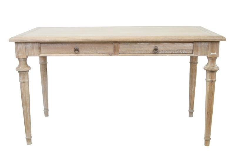 Письменный стол ConlinПисьменные столы<br>Письменный стол Conlin — облегченная и очень привлекательная модель, изготовлен из массива дерева, оборудован выдвижными ящиками. Такой лаконичный стол впишется в любое дизайнерское решение вашего интерьера.<br><br>Material: Дуб<br>Ширина см: 140<br>Высота см: 78<br>Глубина см: 70