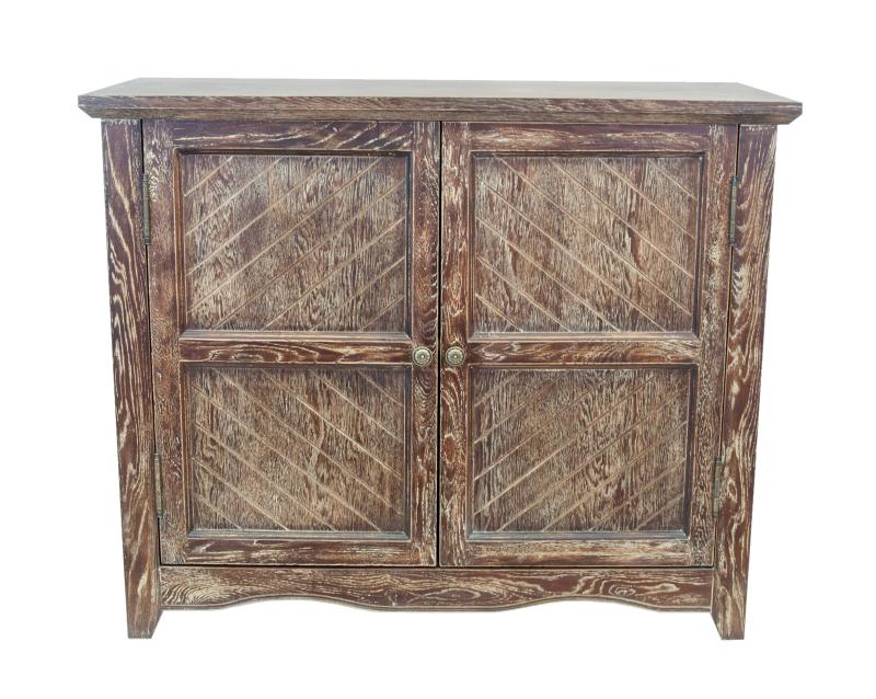 Комод DiogoБельевые комоды<br>Красивое исполнение и неброский дизайн прекрасно сочетаются в комоде Diogo, который может стать отличным дополнением к интерьеру Вашего дома.&amp;lt;div&amp;gt;&amp;lt;br&amp;gt;&amp;lt;/div&amp;gt;&amp;lt;div&amp;gt;&amp;lt;span style=&amp;quot;line-height: 24.9999px;&amp;quot;&amp;gt;Материалы: массив дуба, МДФ&amp;lt;/span&amp;gt;&amp;lt;br&amp;gt;&amp;lt;/div&amp;gt;<br><br>Material: Дуб<br>Ширина см: 110<br>Высота см: 90<br>Глубина см: 48
