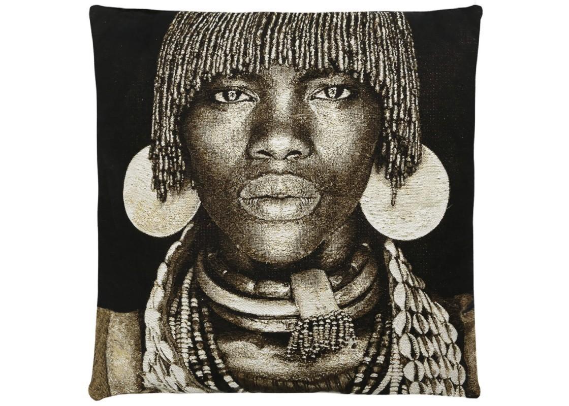 Подушка Лица АфрикиКвадратные подушки и наволочки<br>Актуальными для современных интерьеров стали эксклюзивные дизайнерские подушки с «художественными» принтами, как например «Лица Африки». В интерьере, где присутствует определенный стиль, декор и подушки должны гармонировать и подходить оформлению.&amp;amp;nbsp;Самое главное, что получает каждый, кто решает купить декоративные подушки на диван от FS HOME COLLECTION - это эксклюзивность и неординарность в интерьере.&amp;amp;nbsp;<br><br>Material: Хлопок<br>Width см: 45<br>Depth см: 16<br>Height см: 45