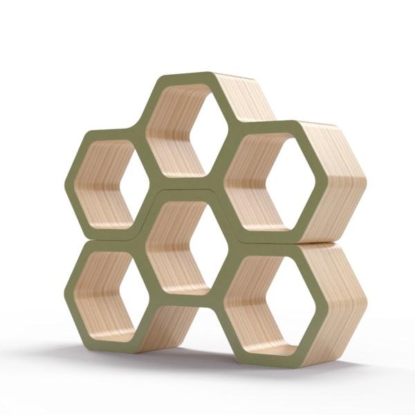 Полка BergsПолки<br>Соты – универсальная форма с точки зрения эргономики и функциональности, но также отличный элемент дизайна. Полки Bergs преобразуют атмосферу вашего интерьера, позволяя нестандартно подойти к вопросу хранения вещей. Окрас элементов полки в оливковый цвет. Сборка не требуется.<br><br>Material: Фанера<br>Width см: 100<br>Depth см: 24<br>Height см: 52