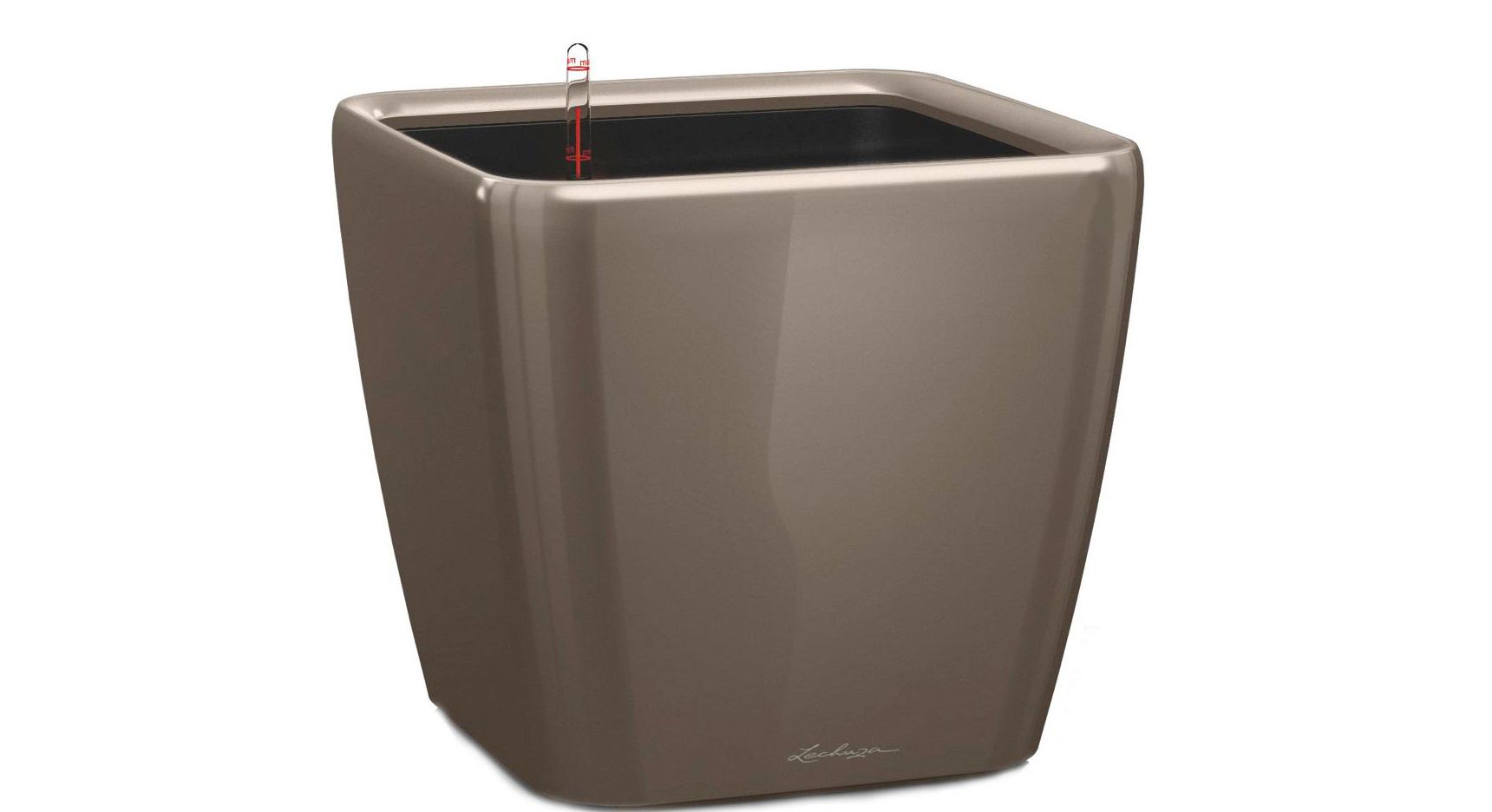 Кашпо с системой полива Квадро LSКашпо и аксессуары для цветов<br>Кашпо со съемным горшком.<br><br>Material: Пластик<br>Width см: 33<br>Depth см: 33<br>Height см: 35