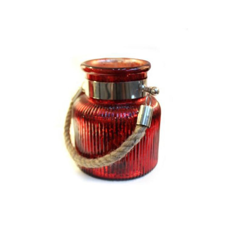 Подсвечник Hyeres малыйПодсвечники<br>Красивый стеклянный подсвечник красного цвета в виде элегантного кашпо с ручкой. Сделайте дом уютнее вместе с декором от голландского бренда light &amp;amp;amp; living.<br><br>Material: Стекло<br>Height см: 17<br>Diameter см: 14