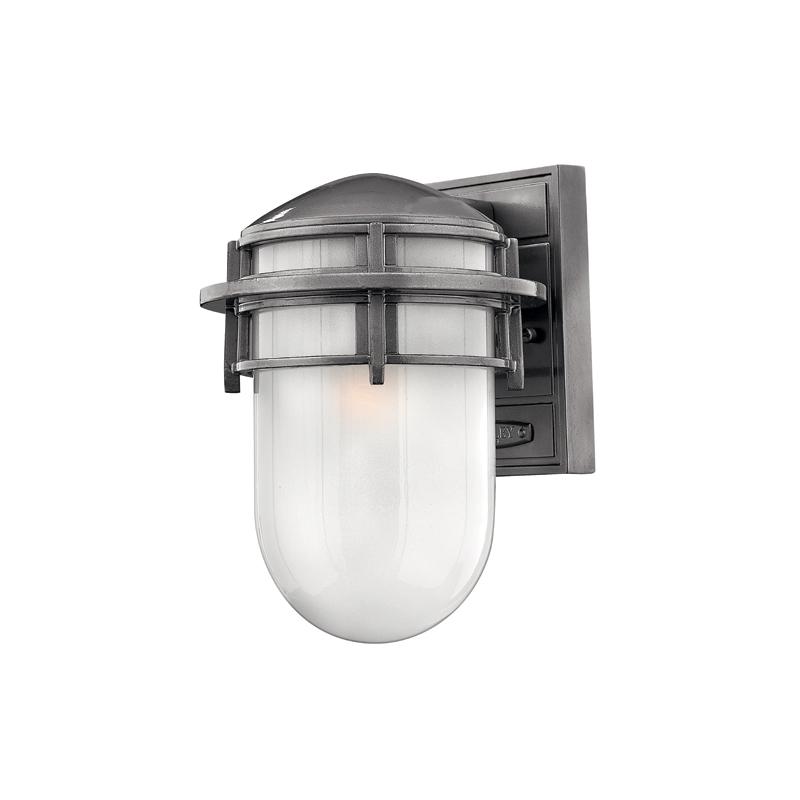 Настенный фонарь Hinkely LightingУличные настенные светильники<br>Цоколь: E27.&amp;amp;nbsp;&amp;lt;div&amp;gt;Мощность: 60&amp;lt;span style=&amp;quot;line-height: 24.9999px;&amp;quot;&amp;gt;W&amp;lt;/span&amp;gt;&amp;lt;span style=&amp;quot;line-height: 1.78571;&amp;quot;&amp;gt;.&amp;lt;/span&amp;gt;&amp;lt;/div&amp;gt;&amp;lt;div&amp;gt;Количество ламп: 1.&amp;amp;nbsp;&amp;lt;/div&amp;gt;&amp;lt;div&amp;gt;Цвет: железо.&amp;lt;/div&amp;gt;<br><br>Material: Металл<br>Ширина см: 19<br>Высота см: 27