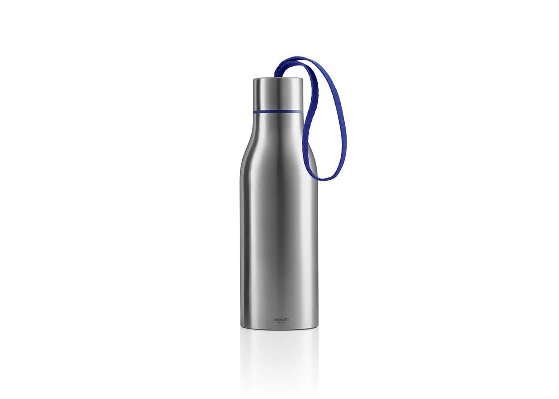 ТермосТермосы<br>Наполните термос холодным или горячим напитком и возьмите с собой, чтобы всегда можно было освежиться или согреться. Термос сделан из нержвеющей стали и имеет двойные стенки. Крышка привинчивается. Термос можно мыть в посудомоечной машине, но крышку и ремешок только вручную. Объём 0,5 л.<br>Не пейте горячие напитки прямо из термоса - есть опасность обжечься.<br><br>Material: Сталь<br>Height см: 23<br>Diameter см: 7,3