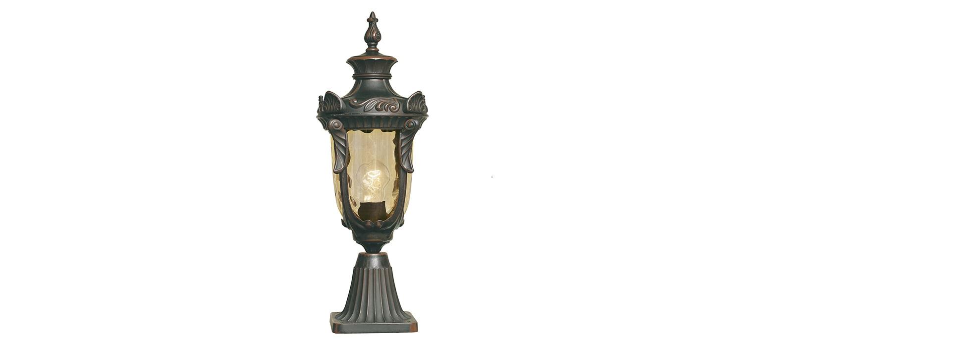 Фонарь-пьедестал Elstead ExteriorУличные наземные светильники<br>Цоколь: E27.&amp;lt;div&amp;gt;Мощность: 100W.&amp;lt;/div&amp;gt;&amp;lt;div&amp;gt;Количество ламп: 1.&amp;amp;nbsp;&amp;lt;/div&amp;gt;&amp;lt;div&amp;gt;Цвет: бронзовая патина.&amp;lt;/div&amp;gt;<br><br>Material: Металл<br>Высота см: 54