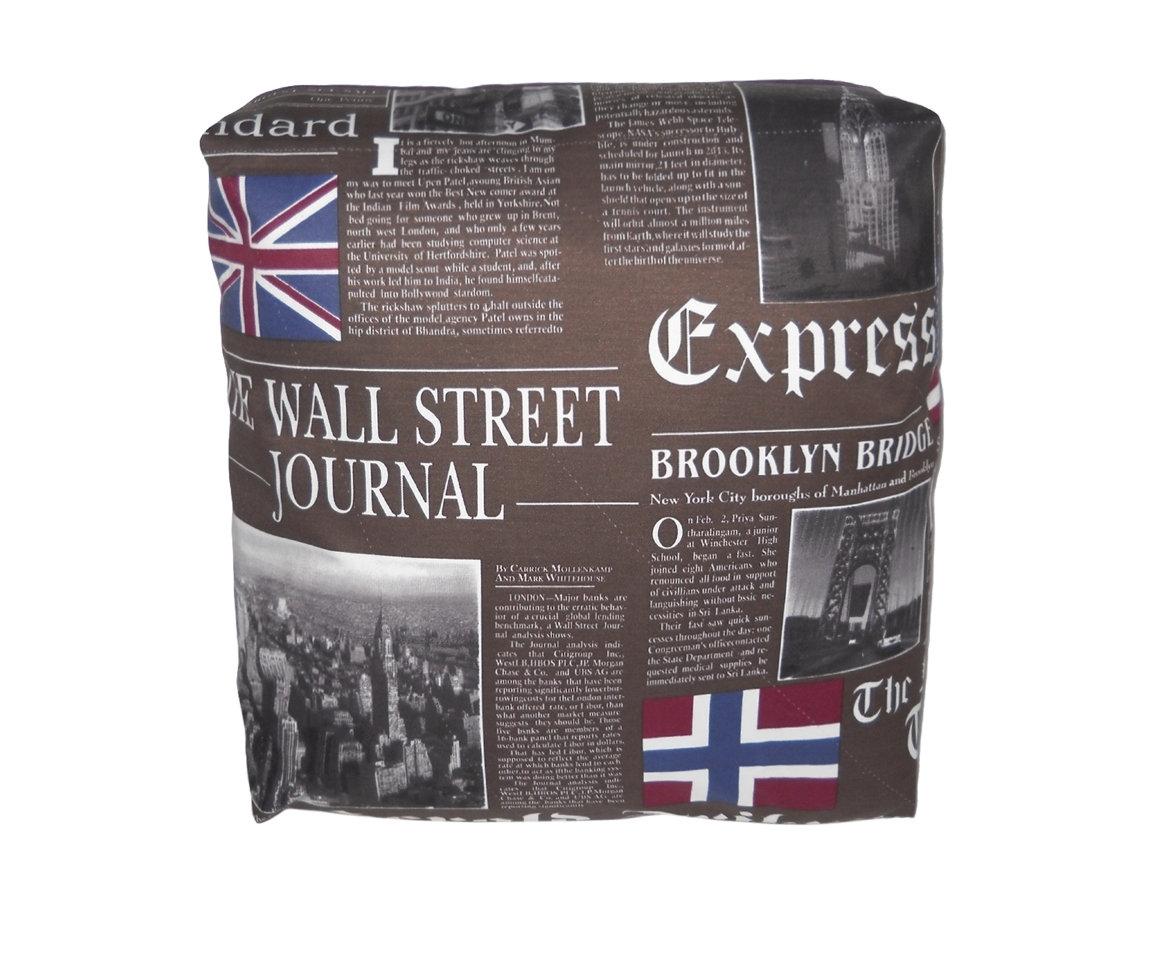 Декоративная подушка New York Times Brown 2Квадратные подушки и наволочки<br>Дизайнерская подушка-открытка двусторонняя Нью Йорк Таймс, особенно придется по вкусу ценителям Америки, любителям газет и просто хорошим людям. Прекрасный подарок для мужчины, оформления его кабинета, будет отлично смотреться в офисе. Хорошо подойдет для интерьера в современном и арт-деко стилях. Подушка сделана из испанской ткани - скотчгард (печатный хлопок), вторая сторона выполнена из велюра.<br><br>Material: Велюр<br>Ширина см: 45<br>Высота см: 45<br>Глубина см: 18