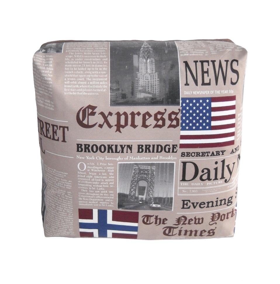 Декоративная подушка New York Times BeigeКвадратные подушки<br>Дизайнерская подушка-открытка двусторонняя, со съемным чехлом на молнии New York Times- это яркий дизайн из фрагментов новостей известного печатного издания и красивая форма. Подушка сделана из испанской ткани - скотчгард (печатный хлопок) , вторая сторона выполнена из велюра.<br><br>Material: Велюр<br>Width см: 45<br>Depth см: 18<br>Height см: 45