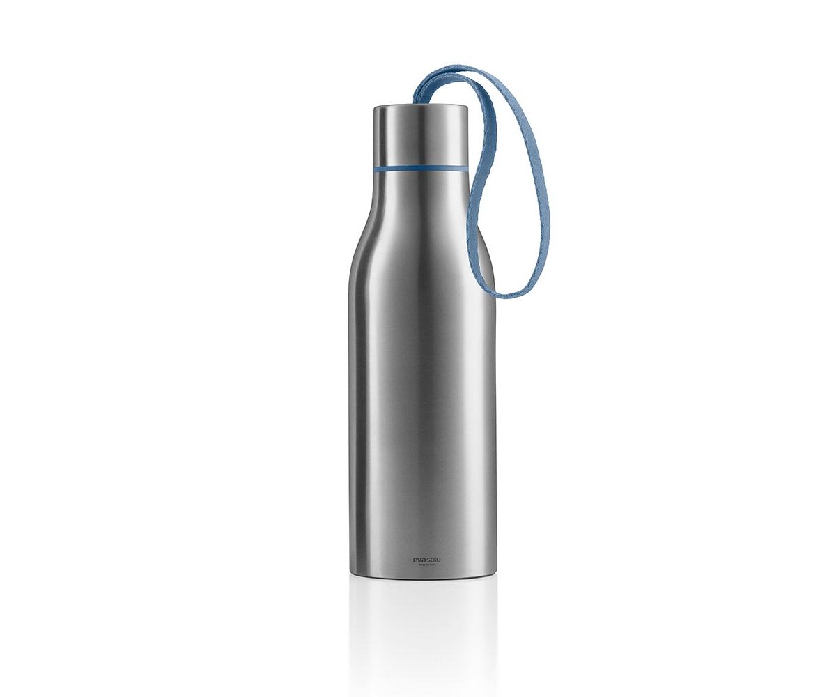 ТермосЕмкости для хранения<br>Наполните термос холодным или горячим напитком и возьмите с собой, чтобы всегда можно было освежиться или согреться. Термос сделан из нержвеющей стали и имеет двойные стенки. Крышка привинчивается. Термос можно мыть в посудомоечной машине, но крышку и ремешок только вручную. Объём 0,5 л.<br>Не пейте горячие напитки прямо из термоса - есть опасность обжечься.<br><br>Material: Сталь<br>Height см: 23<br>Diameter см: 6,5