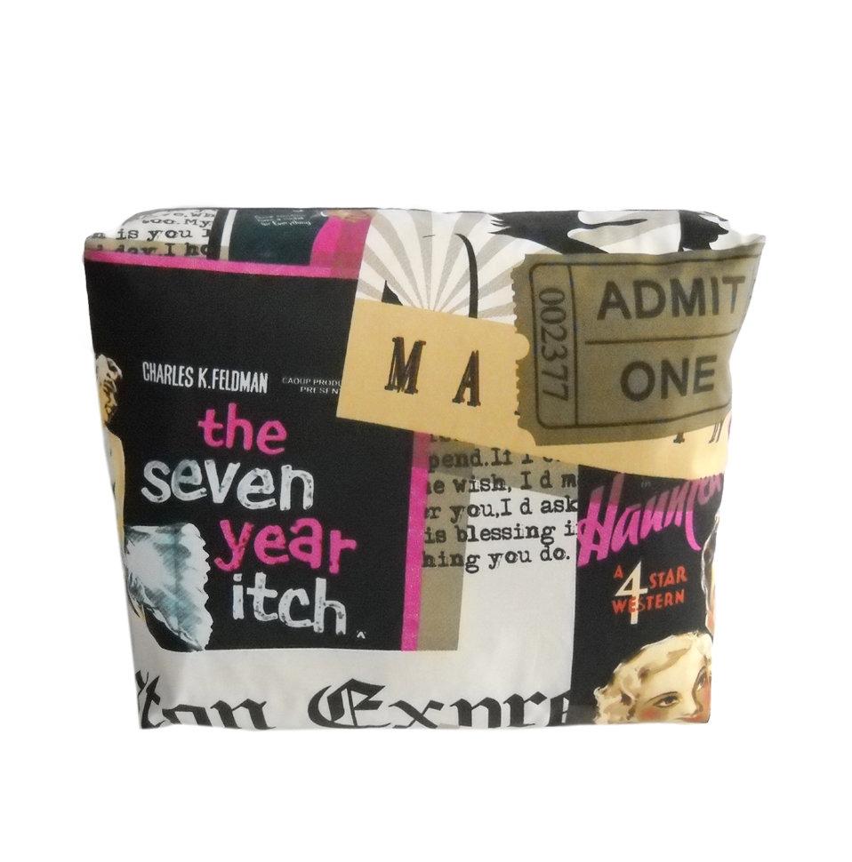 Декоративная подушка Marilyn Monroe VioletКвадратные подушки и наволочки<br>Дизайнерская подушка-открытка двусторонняя, со съемным чехлом на молнии. Подходит для стиля ретро, модерн, городского, лофт. Подушка сделана из испанской ткани - скотчгард (печатный хлопок), вторая сторона выполнена из велюра.  Цвет обратной стороны - фиолетовый.<br><br>Material: Хлопок<br>Ширина см: 45<br>Высота см: 45<br>Глубина см: 18