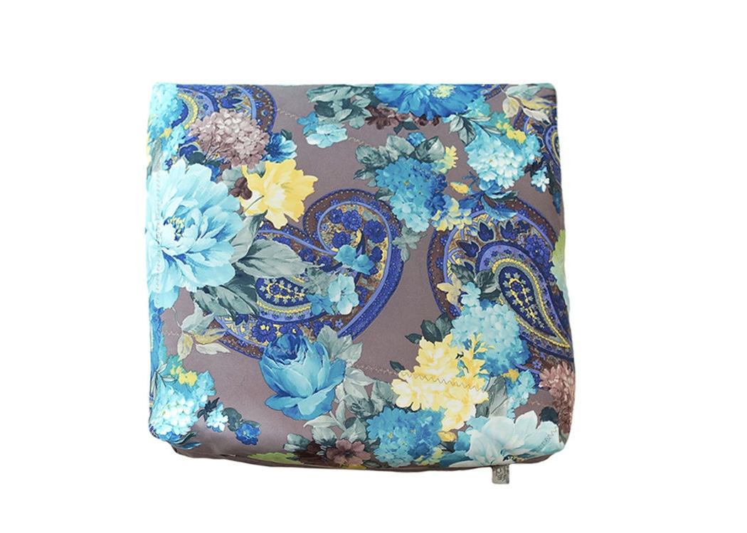 Декоративная подушка Деличия блюКвадратные подушки и наволочки<br>Декоративная подушка с турецким узором и светло-серым компаньоном, чехол выполнен из нежного мебельного велюра, мягкая и удобная в использовании.<br><br>Material: Велюр<br>Width см: 45<br>Depth см: 18<br>Height см: 45