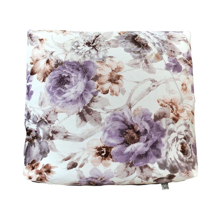 Декоративная подушка Ноктюри с шелковой отстрочкой со светло-серым компаньономКвадратные подушки и наволочки<br>Чехол подушки выполнена из качественного мебельного велюра, для практичности сделан съемный чехол на молнии, двусторонняя.<br><br>Material: Велюр<br>Width см: 45<br>Depth см: 18<br>Height см: 45