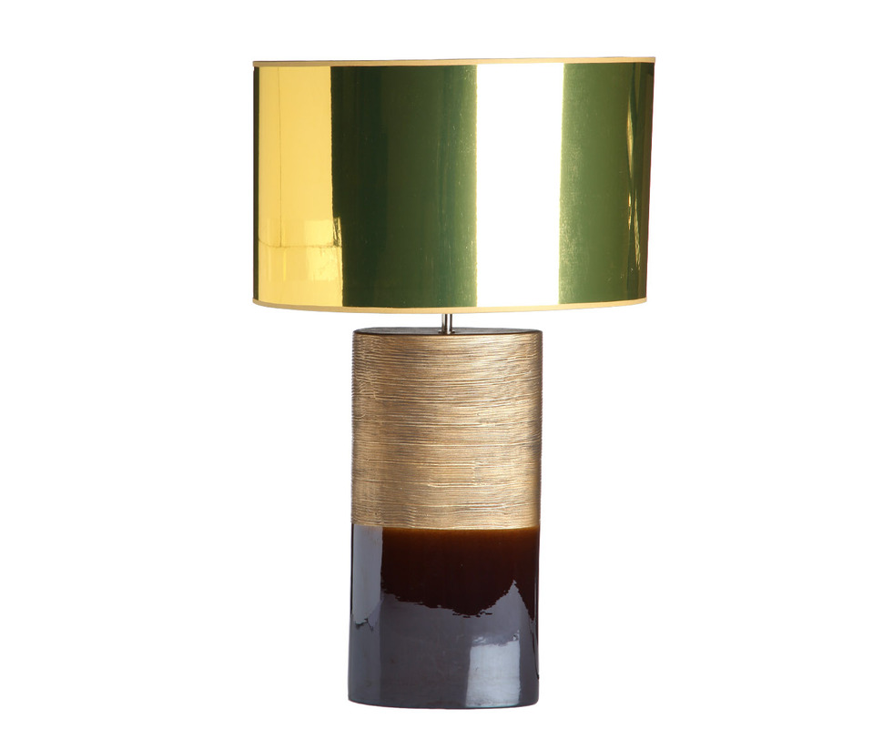 Настольная лампаДекоративные лампы<br>Поражающая воображение массивная лампа классической формы: гармоничное сочетание живых, ярких цветов и гладкая, блестящая поверхность. Эта лампа украсит любое помещение, даже строгий и сдержанный кабинет.<br><br>Португальская компания Farol (в переводе означает «маяк») изготавливает из керамики уникальные вазы и светильники, отличающиеся смелым дизайном и неповторимыми формами.&amp;lt;div&amp;gt;&amp;lt;br&amp;gt;&amp;lt;/div&amp;gt;&amp;lt;div&amp;gt;&amp;lt;div&amp;gt;Вид цоколя: E27&amp;lt;/div&amp;gt;&amp;lt;div&amp;gt;Мощность: 60W&amp;lt;/div&amp;gt;&amp;lt;div&amp;gt;Количество ламп: 1&amp;lt;/div&amp;gt;&amp;lt;/div&amp;gt;<br><br>Material: Керамика<br>Length см: None<br>Width см: 46.0<br>Depth см: 29.0<br>Height см: 73.0<br>Diameter см: None
