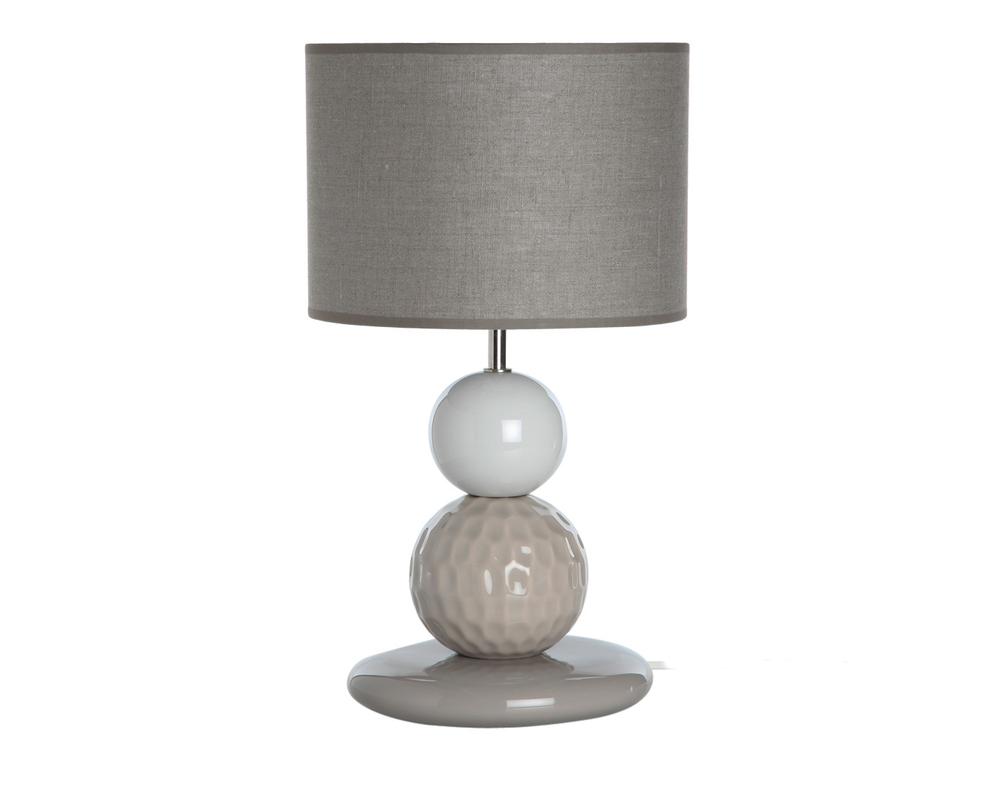 Настольная лампаДекоративные лампы<br>Настольная лампа представляет собой выдержанную гармоничную композицию: массивное основание, напоминающее шар для гольфа, уравновешено широким абажуром. Натуральные цвета позволят вписаться в любой интерьер и внести нотку индивидуализма.<br><br>Португальская компания Farol (в переводе означает «маяк») изготавливает из керамики уникальные вазы и светильники, отличающиеся смелым дизайном и неповторимыми формами.&amp;lt;div&amp;gt;&amp;lt;br&amp;gt;&amp;lt;/div&amp;gt;&amp;lt;div&amp;gt;&amp;lt;div&amp;gt;Вид цоколя: E27&amp;lt;/div&amp;gt;&amp;lt;div&amp;gt;Мощность: 60W&amp;lt;/div&amp;gt;&amp;lt;div&amp;gt;Количество ламп: 1&amp;lt;/div&amp;gt;&amp;lt;/div&amp;gt;<br><br>Material: Керамика<br>Height см: 44<br>Diameter см: 26