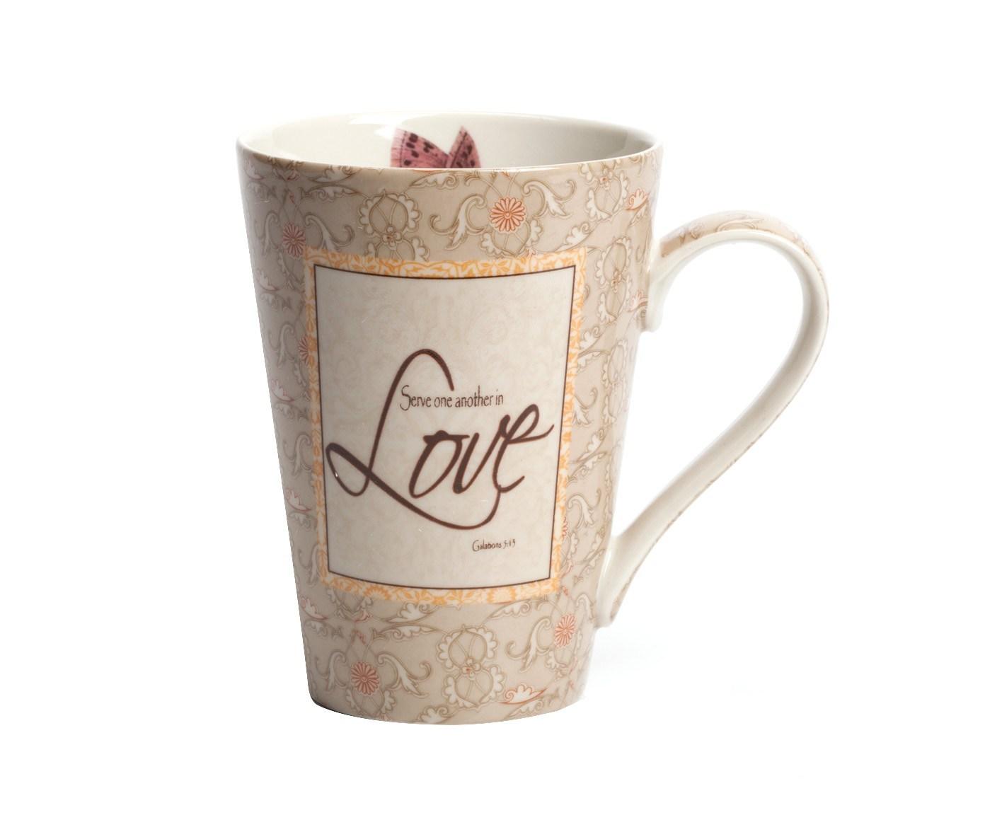 Кружка LoveЧайные пары, чашки и кружки<br>Кружка керамическая Love расписана элегантным цветочным рисунком с преобладанием бежевого цвета. Оригинальный и интересный подарок к любому празднику, в том числе на день св. Валентина (день влюбленных), 8 марта, день рождения, на свадьбу! Кружка как признание в любви другому человеку, себе, утреннему кофе или вечернему чаю. Любой напиток в ней становится любовным!<br><br>Material: Керамика<br>Width см: 13<br>Depth см: 9<br>Height см: 12,5