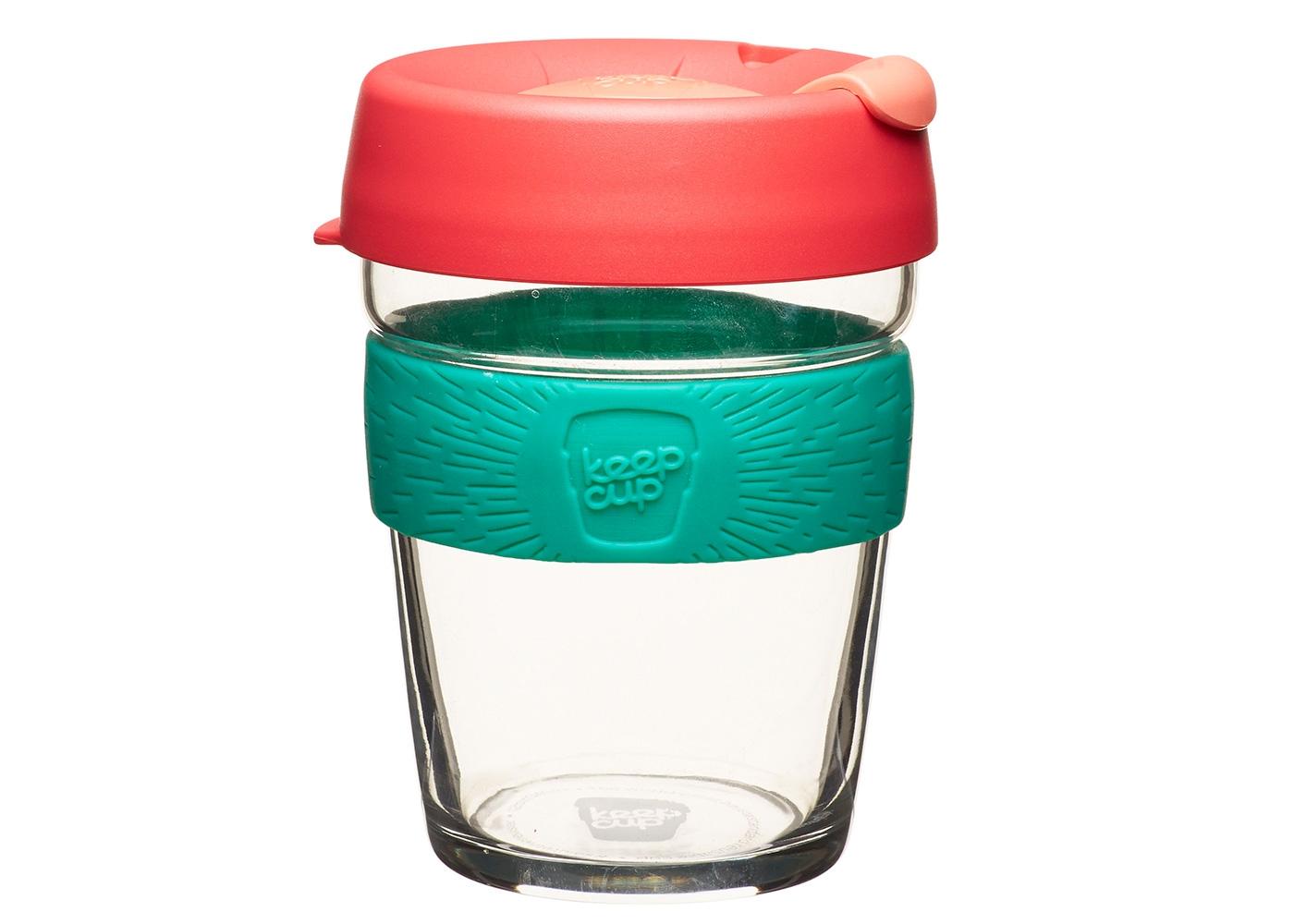 Кружка Keepcup figЧайные пары, чашки и кружки<br>Новая версия культовых кружек KeepCup со стенками из закаленного стекла и еще более удобной крышкой.&amp;amp;nbsp;<br>Кружка, созданная с мыслями о вас и о планете. Главная идея KeepCup – вдохновить любителей кофе отказаться от использования&amp;amp;nbsp;&amp;lt;div&amp;gt;одноразовых бумажных и пластиковых стаканов, так как их производство и утилизация наносят вред окружающей среде.&amp;amp;nbsp;&amp;lt;/div&amp;gt;&amp;lt;div&amp;gt;&amp;lt;br&amp;gt;&amp;lt;/div&amp;gt;&amp;lt;div&amp;gt;Специальная крышка с открывающимся и закрывающимся клапаном спасет от брызг, а силиконовый ободок поможет не обжечься (плюс, удобно держать кружку в руках.<br>Крышка сделана из нетоксичного пластика без содержания вредного бисфенола (BPA-free). Корпус - из закаленного стекла, устойчивого к термическому и механическому воздействию. Разработана и произведена в Австралии.&amp;lt;div&amp;gt;&amp;lt;br&amp;gt;&amp;lt;/div&amp;gt;&amp;lt;div&amp;gt;Объем 340 мл.&amp;lt;/div&amp;gt;&amp;lt;/div&amp;gt;<br><br>Material: Стекло<br>Height см: 13<br>Diameter см: 8.8