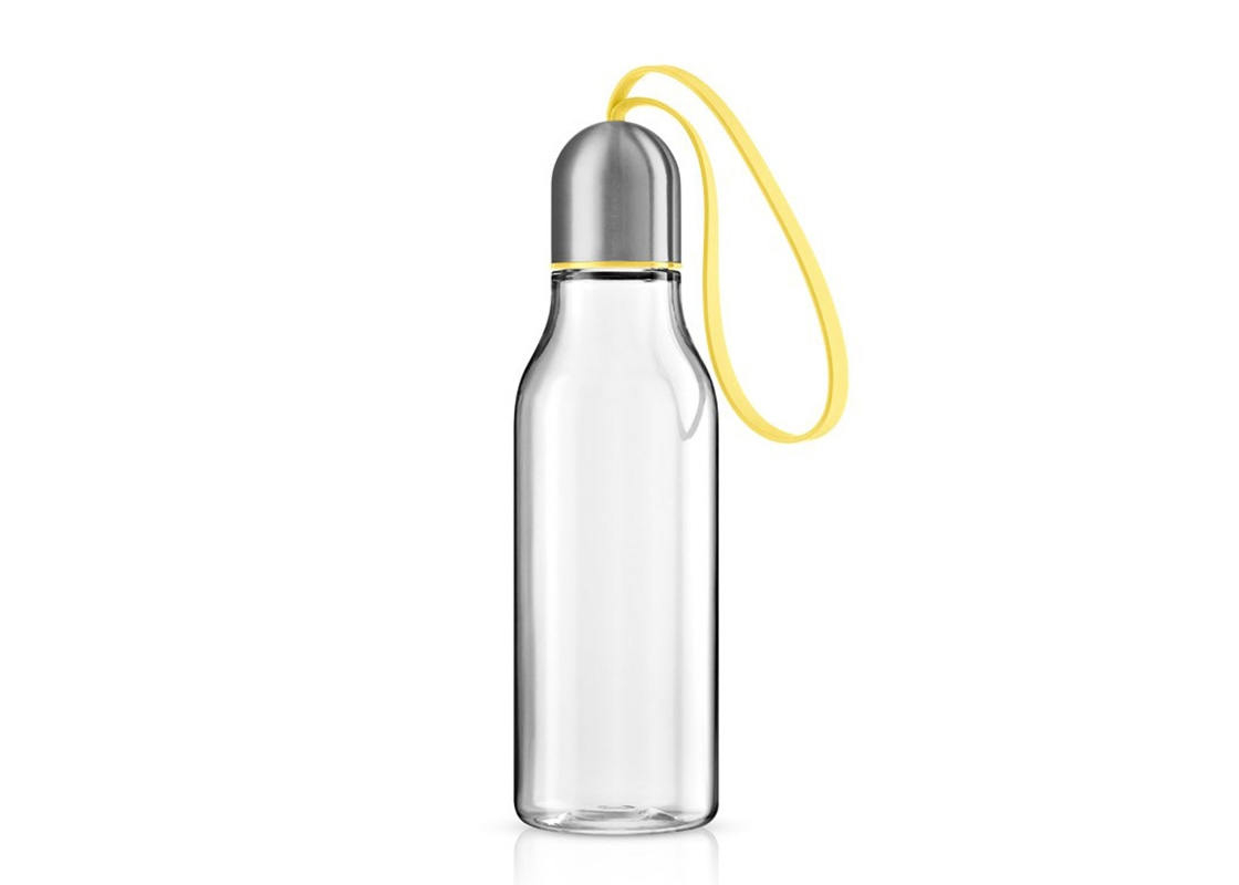 Бутылка спортивнаяБанки и бутылки<br>Спортивная бутылка предназначена для любого вида активности и позволяет быстро утолить жажду благодаря практичному питьевому клапану. Бутылка полностью герметична, даже если носить её в сумке, а гигиеничная крышка защищает горлышко от пыли и грязи.<br>Бутылка имеет практичный силиконовый ремешок, благодаря которому её легко взять с собой и всегда иметь под рукой освежающий напиток. Наполнять бутылку можно сколько угодно раз - она не содержит опасных примесей, таких, как бисфенол. Сделана из ударопрочного безопасного пластика. Все части можно мыть в посудомоечной машине.&amp;lt;div&amp;gt;&amp;lt;br&amp;gt;&amp;lt;/div&amp;gt;&amp;lt;div&amp;gt;&amp;lt;span style=&amp;quot;line-height: 24.9999px;&amp;quot;&amp;gt;Объём 0,7 л.&amp;amp;nbsp;&amp;lt;/span&amp;gt;&amp;lt;br&amp;gt;&amp;lt;/div&amp;gt;<br><br>Material: Пластик<br>Height см: 23<br>Diameter см: 6,5