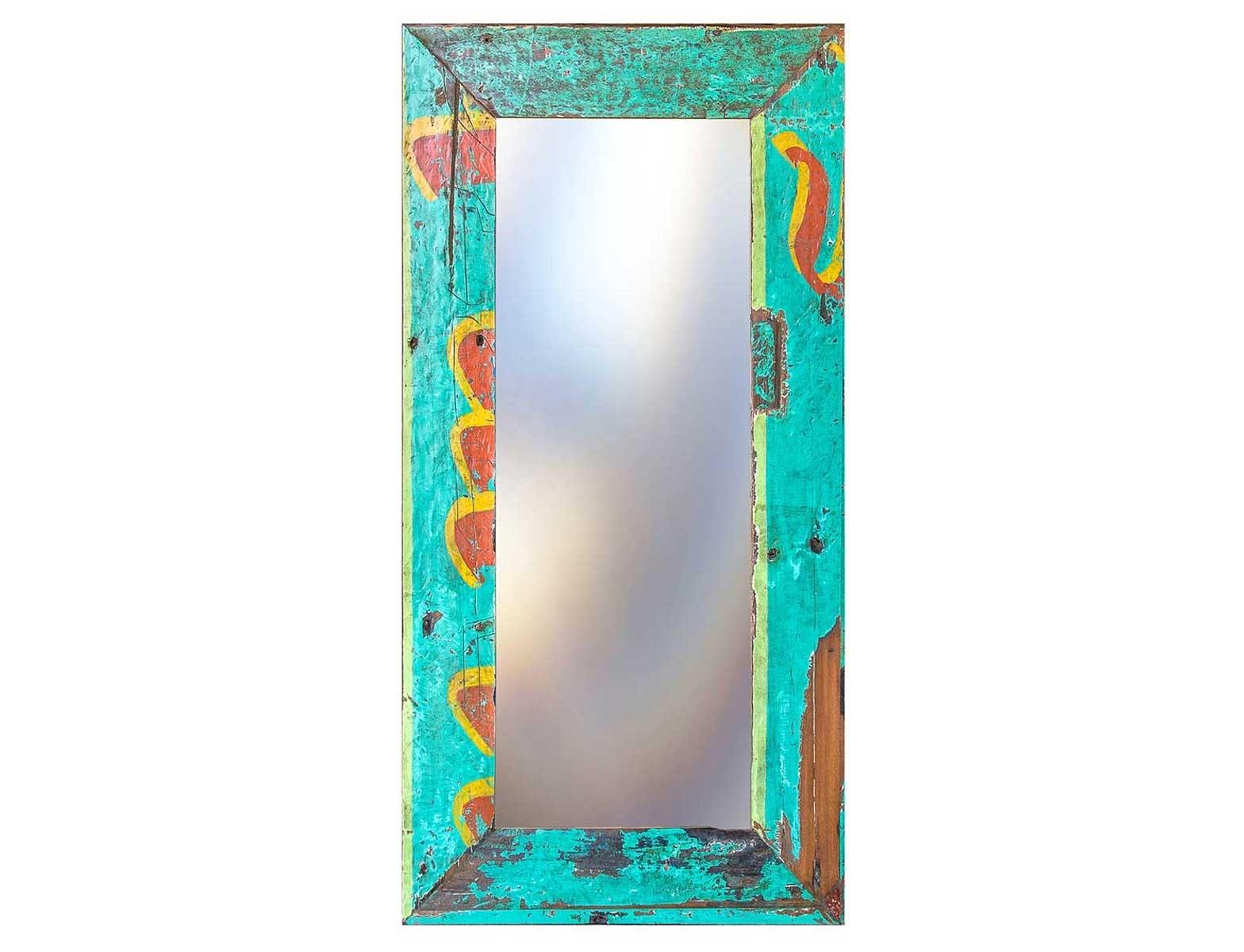Зеркало Свет мой зеркальцеНастенные зеркала<br>Зеркало выполнено из фрагментов настоящего рыболовецкого судна, возраст которого 20-40 лет. Окрас сохранён оригинальный.<br><br>Material: Тик<br>Width см: 90<br>Depth см: 4<br>Height см: 180