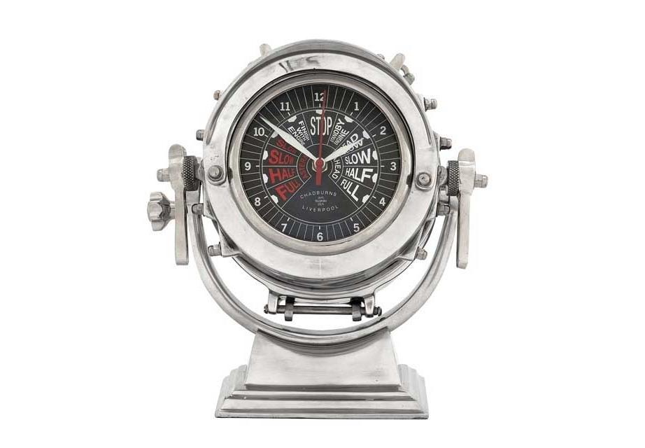 ЧасыНастольные часы<br>Clock Royal Master - часы настольные. Механизм часов - кварцевый.<br><br>Material: Металл<br>Height см: 26<br>Diameter см: 17