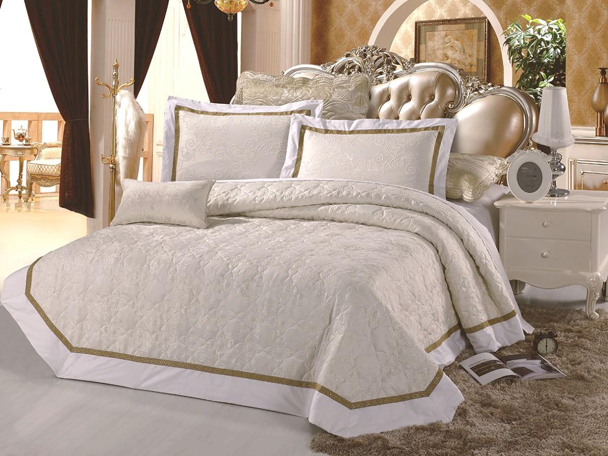 ПокрывалоПокрывала<br>Покрывало на кровать из нежной микрофибры – элегантное, современное, со стильными расцветками прекрасно украсит спальню.&amp;lt;div&amp;gt;&amp;lt;br&amp;gt;&amp;lt;/div&amp;gt;&amp;lt;div&amp;gt;&amp;lt;div&amp;gt;В комплект входят покрывало и две наволочки.&amp;lt;/div&amp;gt;&amp;lt;div&amp;gt;Размер покрывала: 250х230 см&amp;lt;/div&amp;gt;&amp;lt;div&amp;gt;Размер наволочки: 70х50 см&amp;lt;/div&amp;gt;&amp;lt;/div&amp;gt;<br><br>Material: Текстиль<br>Length см: 250<br>Width см: 230