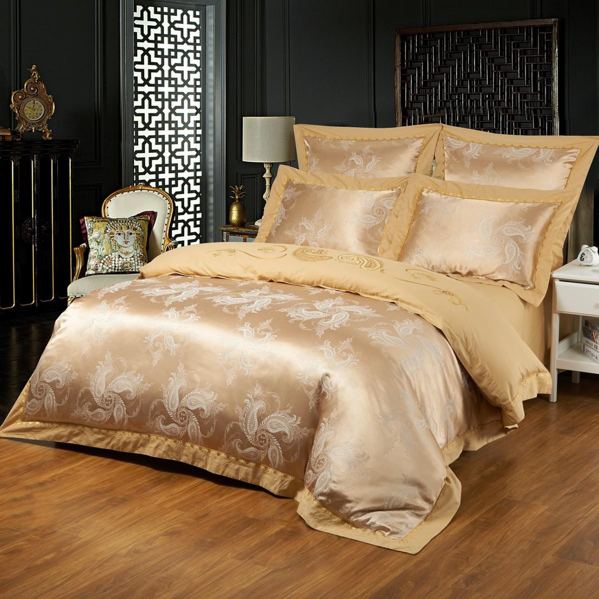 Комплект постельного бельяДвуспальные комплекты постельного белья<br>Роскошное постельное белье для изысканного вкуса.&amp;amp;nbsp;&amp;lt;div&amp;gt;&amp;lt;br&amp;gt;&amp;lt;/div&amp;gt;&amp;lt;div&amp;gt;В комплект входит:&amp;lt;br&amp;gt;&amp;lt;/div&amp;gt;&amp;lt;div&amp;gt;Пододеяльник: 220х200 см (1шт)&amp;lt;/div&amp;gt;&amp;lt;div&amp;gt;Простыня: 230х250 см (1шт)&amp;amp;nbsp;&amp;lt;/div&amp;gt;&amp;lt;div&amp;gt;Наволочки: 50х70 см (2шт); 70х70 см (2шт)&amp;lt;/div&amp;gt;<br><br>Material: Сатин<br>Length см: 220<br>Width см: 200