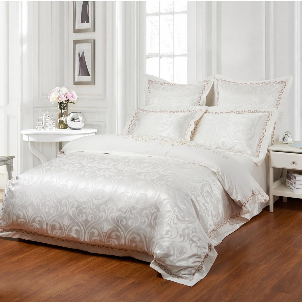 Комплект постельного бельяДвуспальные комплекты постельного белья<br>Роскошное постельное белье для обладателей изысканного вкуса.&amp;lt;div&amp;gt;&amp;lt;br&amp;gt;&amp;lt;div&amp;gt;В комплект входит:&amp;lt;br&amp;gt;&amp;lt;div&amp;gt;Пододеяльник: 220х200 см (1шт)&amp;amp;nbsp;&amp;lt;/div&amp;gt;&amp;lt;div&amp;gt;Простыня: 230х250 см (1шт)&amp;amp;nbsp;&amp;lt;/div&amp;gt;&amp;lt;div&amp;gt;&amp;lt;span style=&amp;quot;line-height: 1.78571;&amp;quot;&amp;gt;Наволочки: 50х70 см (2шт); 70х70 см (2шт)&amp;lt;/span&amp;gt;&amp;lt;/div&amp;gt;&amp;lt;/div&amp;gt;&amp;lt;/div&amp;gt;<br><br>Material: Сатин<br>Length см: 220<br>Width см: 200
