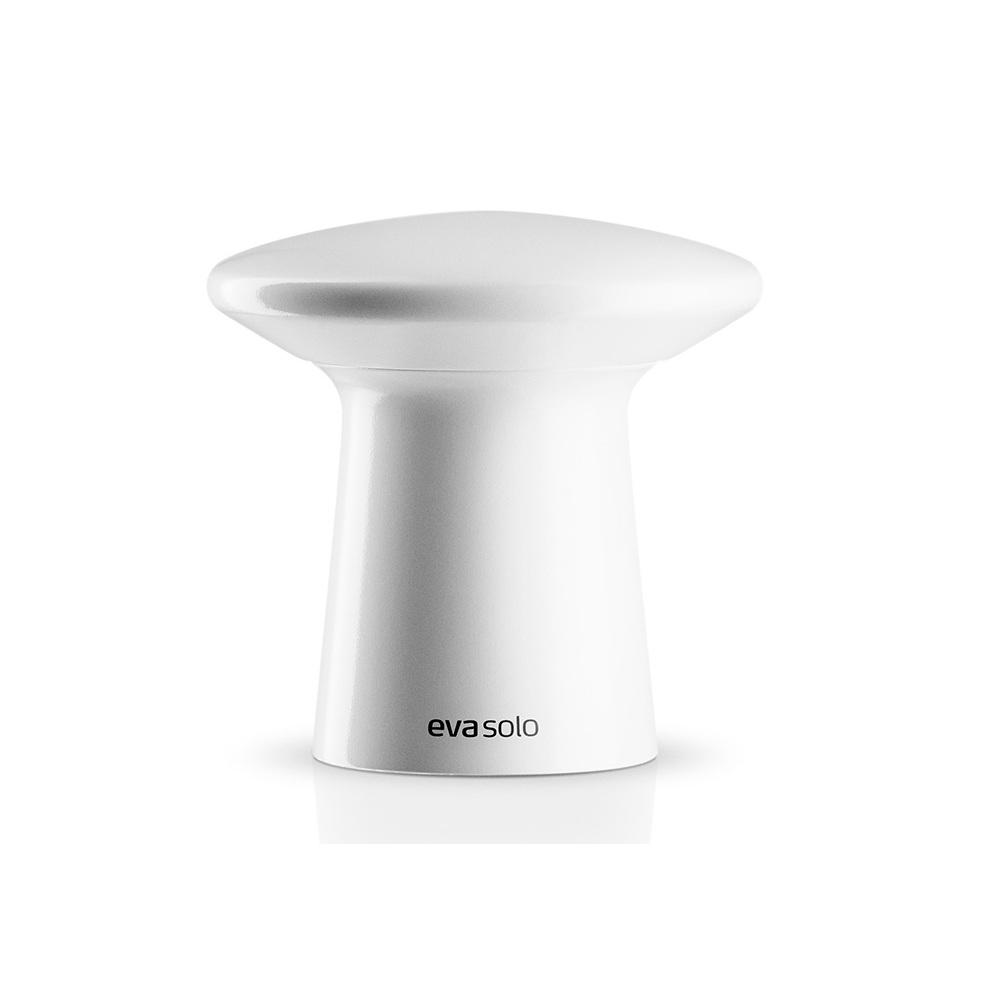 Мельничка для соли и перцаАксессуары для кухни<br>Суперстильные мельнички для специй! Оборудованы запатентованной системой CrushGrind - керамическим механизмом измельчения, разработанным датскими дизайнерами. Он заключён в элегантный корпус из полированного дерева, продуманная форма которого позволяет удобно держать прибор при измельчении, а также с лёгкостью открывать мельнички для того, чтобы засыпать специи.<br><br>Material: Керамика<br>Height см: 7,5<br>Diameter см: 4,5