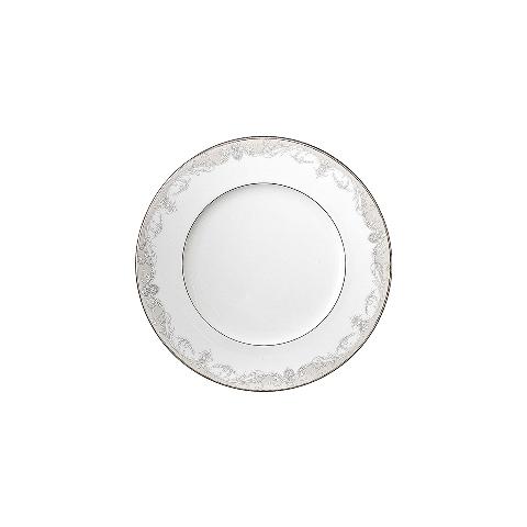 Тарелка десертнаяТарелки<br>MIKASA по праву считается одним из мировых лидеров по производству столовой посуды из фарфора и керамики. На протяжении более полувека категории качества и дизайна являются неотъемлемой частью бренда MIKASA.<br><br>Material: Фарфор<br>Depth см: 1<br>Height см: 1<br>Diameter см: 21