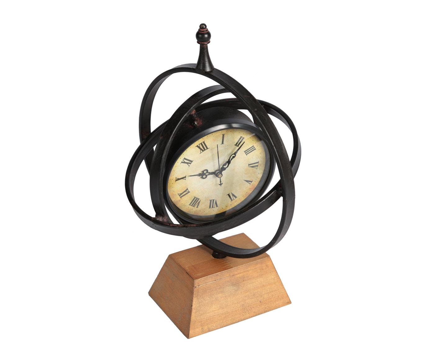 Часы настольныеНастольные часы<br>Кварцевый механизм, работают от батарейки типа АА.<br><br>Material: Металл<br>Width см: 23<br>Depth см: 17<br>Height см: 33
