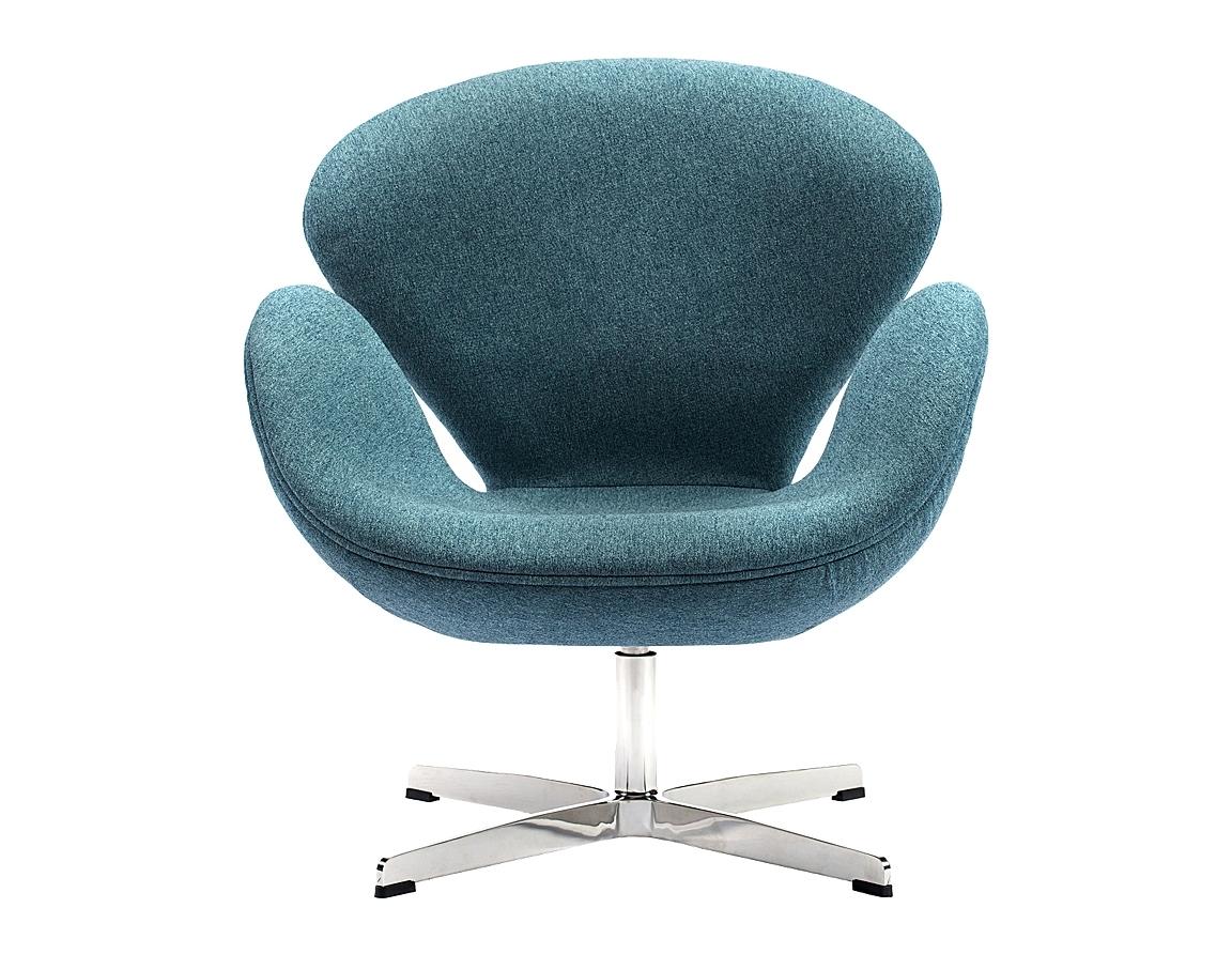 Кресло Swan ChairИнтерьерные кресла<br>Кресло Swan Chair (Лебедь), созданное датским дизайнером Арне Якобсеном (Arne Jacobsen) в 1958 г., стало настоящей сенсацией для своего времени, было достаточно инновационным, т.к. вместо прямых линий предпочтение было отдано округлым формам. Мебель этого дизайнера давно вошла в историю мебелестроения и стало шедевром, мировым достоянием искусства. Элегантная анатомическая форма и небольшие размеры делают его привлекательным элементом оформления любого интерьера и по сей день. Каркас кресла представляет собой раковину из стекловолокна, покрытую пенополиуретаном. Сидение крепится на вращающемся крестообразном основании из нержавеющей стали.<br><br>Material: Шерсть<br>Width см: 71<br>Depth см: 70<br>Height см: 78