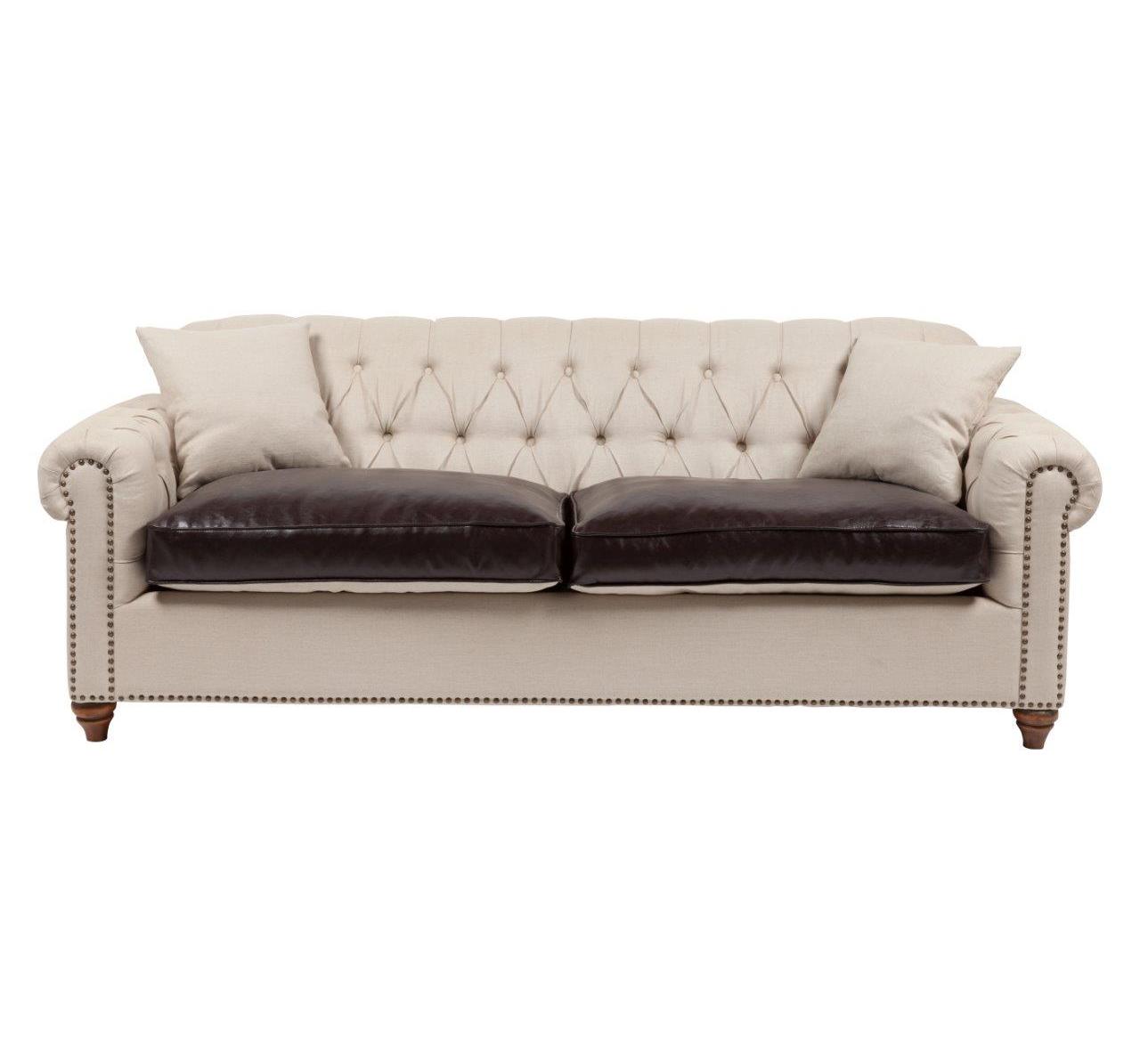 Диван PetroneКожаные диваны<br>Стильный и практичный диван Petrone станет вашим любимым местом отдыха. Диван изготовлен на деревянном каркасе (берёза), покрыт бежевой и коричневой кожей. Две маленькие подушечки помогут вашей спине занять удобное положение. Этот диван отлично подойдет для любителей роскоши и, одновременно, строгости в дизайне помещения, когда декоративные элементы не отвлекают внимания. Прекрасно впишется и в современный стиль интерьера. Его силуэт не режет глаз, прекрасно взаимодействуя с окружающей обстановкой, не выделяется крикливостью, а подчеркивает стиль. Уютные подлокотники и поддержка для спины приглашают к отдыху. Благодаря крепким ножкам, он твердо стоит на поверхности, а убирать под ним можно без серьезного напряжения. При его изготовлении использовался исключительно качественный материал. Модель дивана от знаменитого английского дизайнера Тимоти Олтона (Timothy Oulton).<br><br>Material: Кожа<br>Width см: 240<br>Depth см: 98<br>Height см: 72