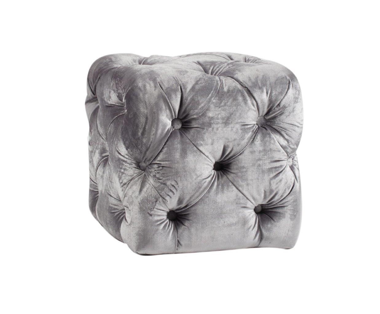 Пуф Manele GrisФорменные пуфы<br>Пуф Manele Gris — надежный и долговечный вариант с жестким деревянным (береза) каркасом, мягким сиденьем из мебельного поролона, выполнен в виде небольшого куба. Обивка пуфа выполнена натуральной тканью (лён) серого цвета в технике капитоне, что придает ей классическую элегантность.<br><br>Material: Текстиль<br>Width см: 42<br>Depth см: 42<br>Height см: 42,3