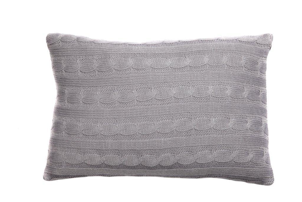Подушка вязаная Kelly GrayПрямоугольные подушки и наволочки<br>Подушка вязаная Kelly Gray покрыта 100% кашемиром. Мягкий и упругий наполнитель хорошо поддерживает спину, помогает расслабиться и принять удобную позу, обеспечивает крепкий сон. Подушка также будет отличным сувениром и оригинальным подарком.<br><br>Material: Шерсть<br>Width см: 45<br>Depth см: 14<br>Height см: 30