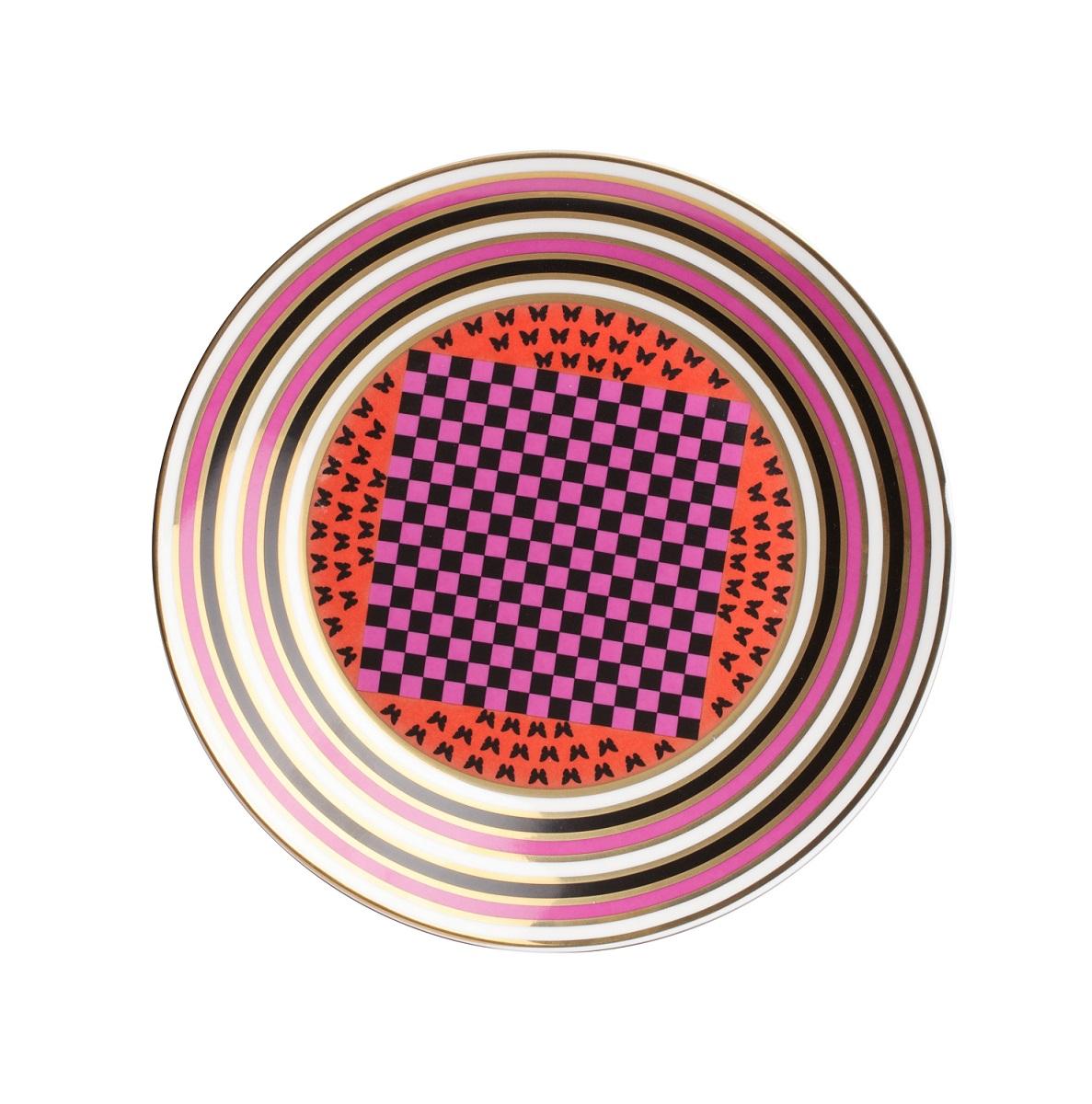 Тарелка EclecticТарелки<br>Яркая тарелка Eclectic I изготовлена из грубой керамики, декорирована трехцветным орнаментом. Тарелку можно приобрести отдельно или в комплекте с другими столовыми предметами из коллекции.<br><br>Material: Керамика<br>Height см: 2<br>Diameter см: 23