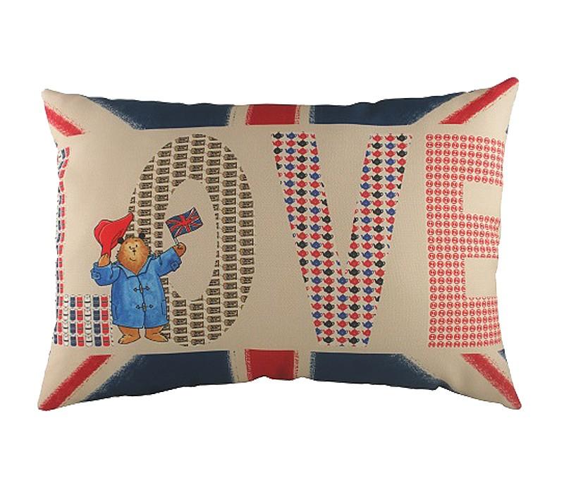 Подушка с картинкой  Paddington LoveПрямоугольные подушки и наволочки<br>Ласковая подушка, на которой вас приветствует любимый всеми медвежонок Паддингтон на фоне британского флага, с мягким упругим наполнителем, хорошо поддержит вашу спину, поможет расслабиться и достойно займет место на диване в качестве декора интерьера. Подушка также будет отличным сувениром и оригинальным подарком.<br><br>Material: Текстиль<br>Width см: 46<br>Depth см: 6<br>Height см: 33