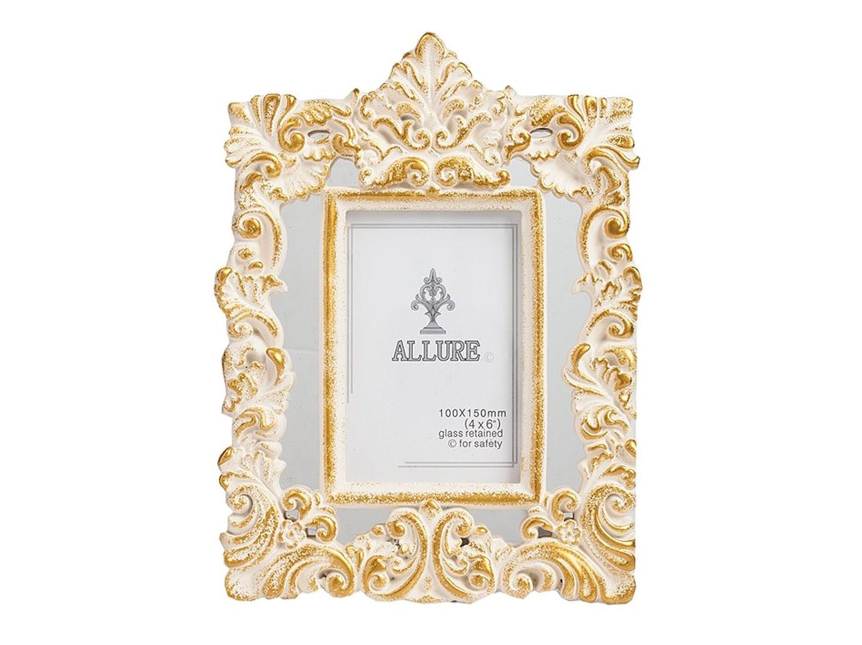 Рамка для фото RomseyРамки для фотографий<br>Фоторамка размером 10х15 выполнена методом художественного литья из полирезины, декорирована рельефным орнаментом в золотом цвете, выглядит изысканно. Рамка Romsey будет достойным дополнением к украшению вашего дома. Возможно, вы приобретете рамку в качестве подарка.<br><br>Material: Пластик<br>Width см: 21<br>Depth см: 2<br>Height см: 27