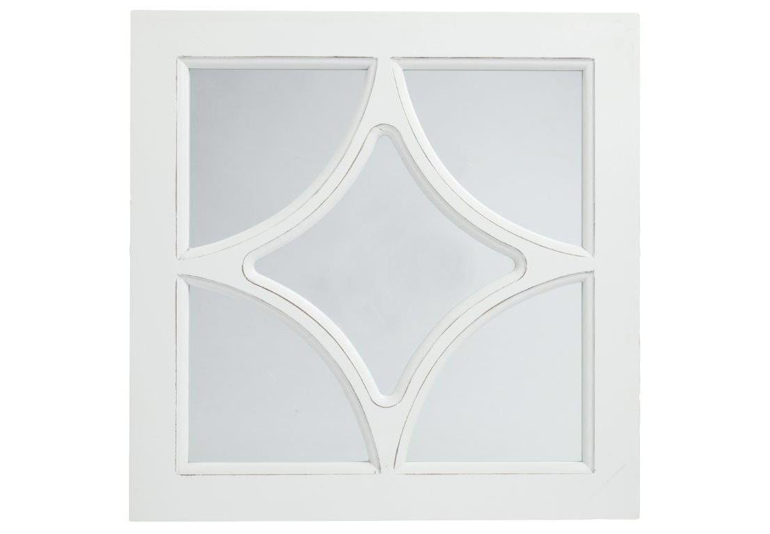 Зеркало в раме RomboНастенные зеркала<br>Зеркало в раме Rombo приятного белого цвета изготовлено из высококачественного материала МДФ. Такой предмет декора дома наполнит его французским колоритом и провинциальной простотой одновременно. Изысканная форма рамы, переходящая внутрь зеркала в виде ромба привнесет в комнату в стиле Прованс особый шарм и очарование.<br><br>Material: МДФ<br>Width см: 40<br>Depth см: 2<br>Height см: 40
