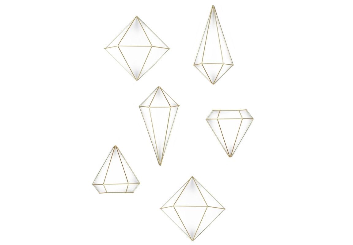 Декор для стен PrismaФигуры<br>Иногда нужно мыслить масштабнее: декор для стен с легкой руки дизайнеров Umbra может переместиться на стол или быть подвешен к потолку. Геометрические фигуры из стальной проволоки выглядят эффектно и футуристично, постоянно привлекая внимание гостей. Легкие, не собирающие пыль и легко перемещающиеся и трансформирующиеся украшения могут стать изюминкой интерьера.<br>В наборе 3 геометрические фигуры, каждая в количестве 2- штук (т.е. всего 6 предметов). Крепления к стене в комплекте.&amp;amp;nbsp;&amp;lt;div&amp;gt;&amp;lt;br&amp;gt;&amp;lt;/div&amp;gt;&amp;lt;div&amp;gt;Размеры фигур:&amp;amp;nbsp;&amp;lt;/div&amp;gt;&amp;lt;div&amp;gt;- 25 х 23 х 22 см&amp;lt;/div&amp;gt;&amp;lt;div&amp;gt;- 16 х 31 х 14 см&amp;amp;nbsp;&amp;lt;/div&amp;gt;&amp;lt;div&amp;gt;- 18 х 18.4 х 16 см&amp;lt;/div&amp;gt;<br><br>Material: Металл<br>Ширина см: 19<br>Высота см: 33<br>Глубина см: 12