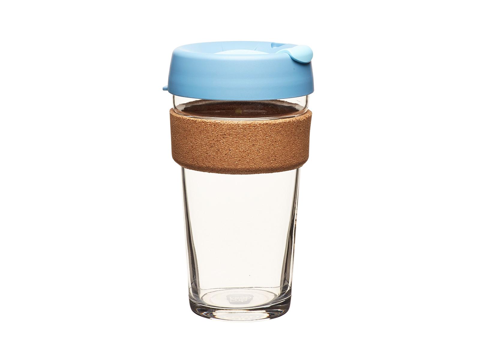 Кружка Keepcup rock saltЧайные пары и чашки<br>Лимитированная серия культовых кружек Keepcup со стенками из закаленного стекла, еще более удобной крышкой и уникальным пояском из пробкового дерева.  <br>Кружка, созданная с мыслями о вас и о планете. Главная идея KeepCup – вдохновить любителей кофе отказаться от использования одноразовых бумажных и пластиковых стаканов, так как их производство и утилизация наносят вред окружающей среде. В год производится и выбрасывается около 500 миллиардов одноразовых стаканчиков, а ведь планета у нас всего одна! <br>Но главный плюс кружки  – привлекательный дизайн, который станет отражением вашего личного стиля. Берите её в кафе или наливайте кофе, чай, сок дома, чтобы взять с собой - пить вкусные напитки на ходу, на работе или на пикнике. Специальная крышка с открывающимся и закрывающимся клапаном спасет от брызг, плотный ободок поможет не обжечься (плюс, удобно держать кружку в руках.<br>Крышка сделана без содержания вредного бисфенола (BPA-free). Корпус - из закаленного стекла, устойчивого к термическому и механическому воздействию.&amp;amp;nbsp;&amp;lt;div&amp;gt;&amp;lt;br&amp;gt;&amp;lt;/div&amp;gt;&amp;lt;div&amp;gt;&amp;lt;span style=&amp;quot;line-height: 24.9999px;&amp;quot;&amp;gt;Объем:&amp;amp;nbsp;454 мл.&amp;lt;/span&amp;gt;&amp;lt;br&amp;gt;&amp;lt;/div&amp;gt;<br><br>Material: Стекло<br>Height см: 15,8<br>Diameter см: 8,8