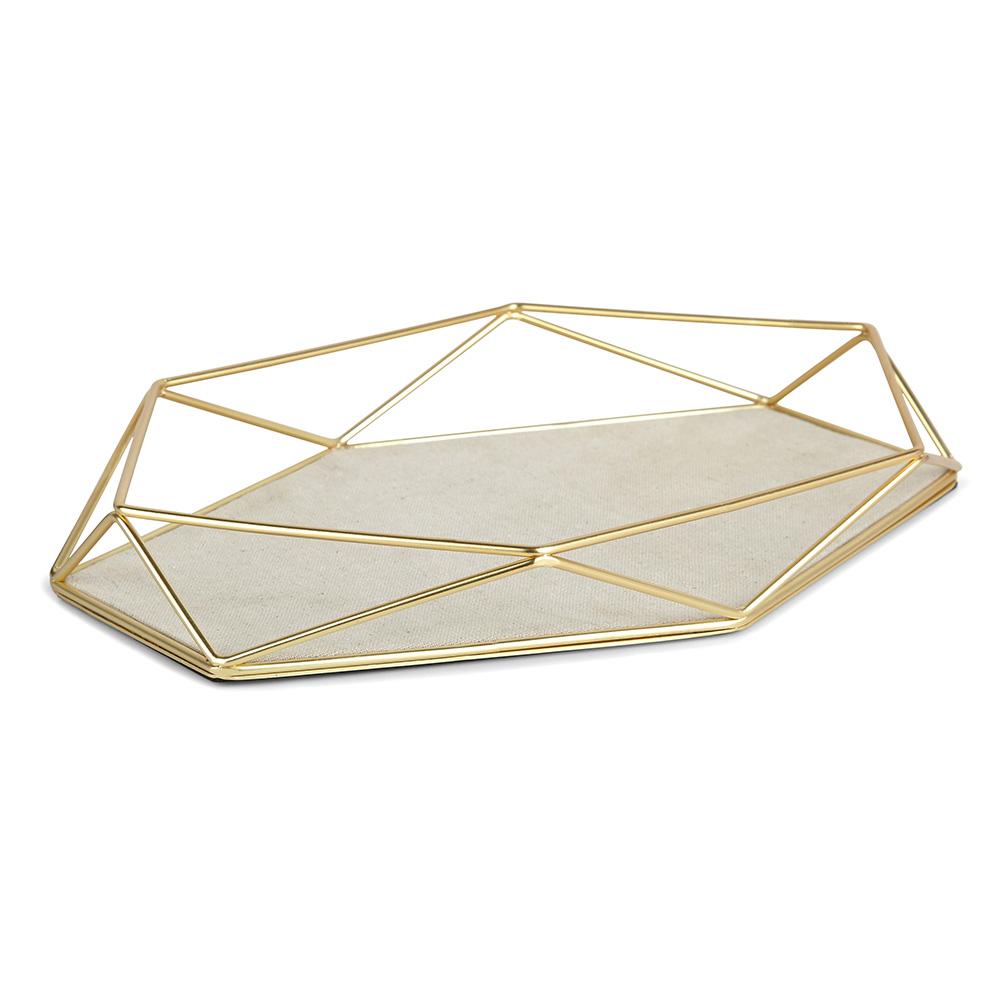 Органайзер-поднос для украшений PrismaДекоративные подносы<br>Этот красивый аксессуар из коллекции  Prisma, по своей форме напоминающий граненый алмаз, предназначен для хранения браслетов и мелких украшений. На дне подноса разместятся кольца, браслеты и часы, а «грани» послужат для подвешивания сережек. <br><br>Дизайн: Sung wook Park<br><br>Material: Металл<br>Length см: None<br>Width см: 28<br>Depth см: 18,6<br>Height см: 4,2