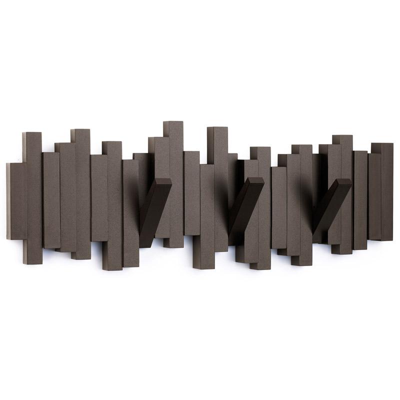 Вешалка настенная SticksВешалки<br>Супер стильная вешалка потрясающе выглядит в интерьере, когда она используется как вешалка — к вашим услугам 5 прочных крючков, когда не используется — плоский декоративный элемент стильной формы.<br>Каждый крючок выдерживает вес до 2,26 кг.<br><br>Material: Пластик<br>Width см: 51<br>Depth см: 3,3<br>Height см: 18