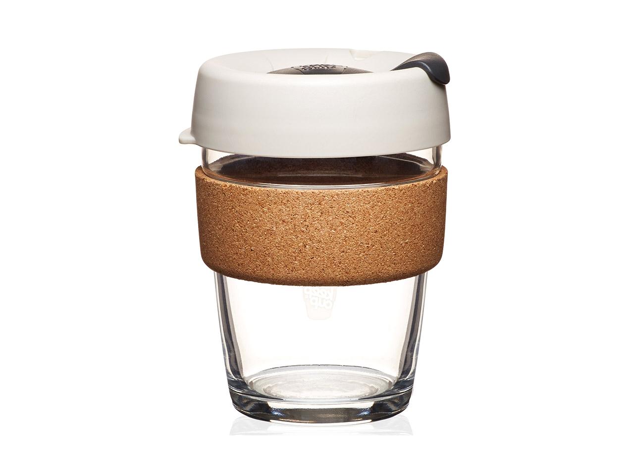 Стакан Keepcup filterЧайные пары, чашки и кружки<br>Главная идея KeepCup – вдохновить любителей кофе отказаться от использования одноразовых бумажных и пластиковых стаканов, так как их производство и утилизация наносят вред окружающей среде. В год производится и выбрасывается около 500 миллиардов одноразовых стаканчиков, а ведь планета у нас всего одна. Главный плюс кружки  – привлекательный и яркий дизайн, который станет отражением вашего личного стиля. Берите ее в кафе или наливайте кофе, чай, сок дома, чтобы взять с собой. Специальная крышка с открывающимся и закрывающимся клапаном спасет от брызг, ободок из пробкового дерева поможет не обжечься, и кружку будет удобно держать в руках. Плотная крышка и толстые стенки сохранят напиток теплым в течение 20-30 минут. Можно использовать в микроволновой печи и мыть в посудомоечной машине.&amp;lt;div&amp;gt;&amp;lt;br&amp;gt;&amp;lt;/div&amp;gt;&amp;lt;div&amp;gt;Объем:&amp;amp;nbsp;340 мл.&amp;lt;/div&amp;gt;<br><br>Material: Стекло<br>Высота см: 12