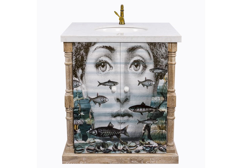 Тумба с раковиной Лина, версия АквариумТумбы для ванной<br>&amp;lt;div&amp;gt;&amp;lt;div&amp;gt;Портрет тумбы &amp;quot;Аквариум&amp;quot; совмещен с серией &amp;quot;Лина&amp;quot;, включившей мягкие диваны, стулья и подушки, кофейные столики и арт-постеры. Выбрав рисунок по душе, раскрасьте дом креативным авторским стилем. Тумба &amp;quot;Аквариум&amp;quot; - эталон интерьерной эклектики, гармонично совместившей массу диаметральных жанров и эпох. Помимо дизайнерских достоинств, мебель для ванной комнаты важна прочностью, влагостойкостью и гигиеничностью. Этим важным практическим параметрам полностью отвечает тумба, выполненная из натурального дуба, керамики и мрамора. Природная фактура натурального дерева акцентирована уютной светлой патиной. Просторные полки уместят полный комплект Ваших косметических и гигиенических средств. Не упустите случая обладания уникальной дизайнерской мебелью. Версия &amp;quot;Аквариум&amp;quot; выпущена лимитированными экземплярами.&amp;lt;/div&amp;gt;&amp;lt;div&amp;gt;&amp;lt;br&amp;gt;&amp;lt;/div&amp;gt;&amp;lt;div&amp;gt;Материал: массив дуба, мдф, мрамор, керамика.&amp;lt;/div&amp;gt;&amp;lt;/div&amp;gt;&amp;lt;div&amp;gt;&amp;lt;br&amp;gt;&amp;lt;/div&amp;gt;<br><br>&amp;lt;iframe width=&amp;quot;530&amp;quot; height=&amp;quot;360&amp;quot; src=&amp;quot;https://www.youtube.com/embed/pYyhIontOYI&amp;quot; frameborder=&amp;quot;0&amp;quot; allowfullscreen=&amp;quot;&amp;quot;&amp;gt;&amp;lt;/iframe&amp;gt;<br><br>Material: Дуб